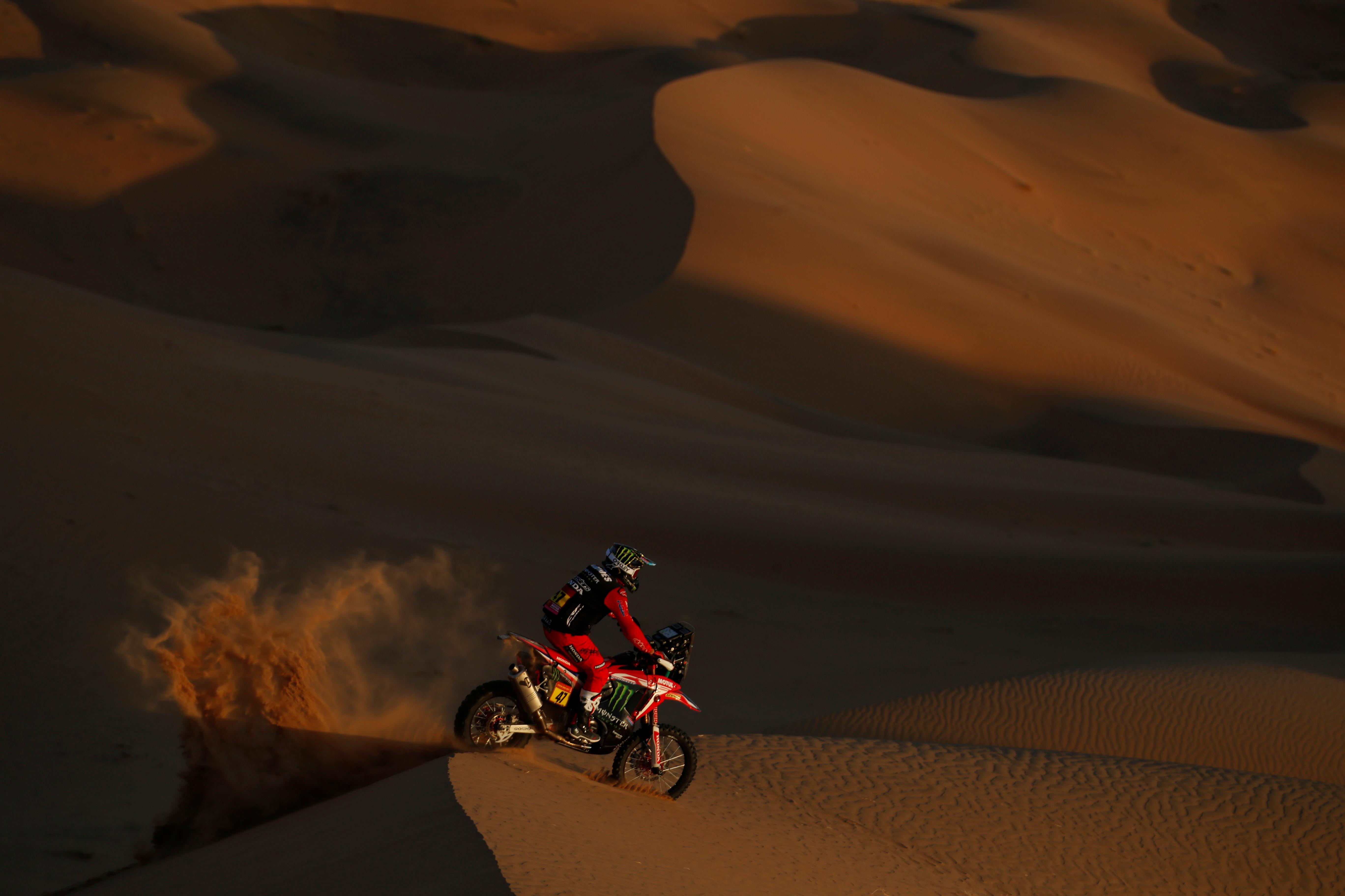 El piloto de Honda se convirtió en el primer argentino que consigue ganar el Rally Dakar en una de las dos categorías principales