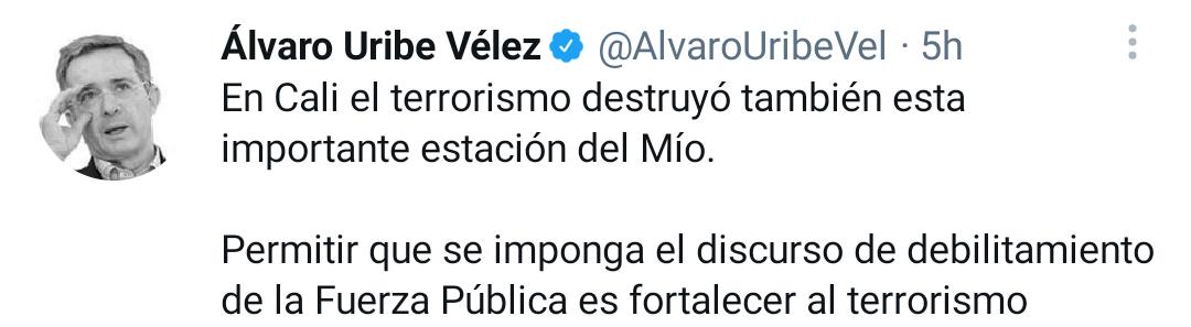 A3W2PRSNWFAZPMBJ6QVJ3TO74Y - Álvaro Uribe pide sacar el Ejército a las calles