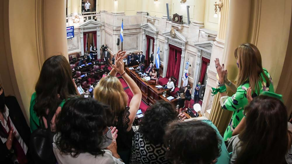 Pasadas las 4 de la mañana el Senado aprobó la legalización del aborto (Comunicación Senado)