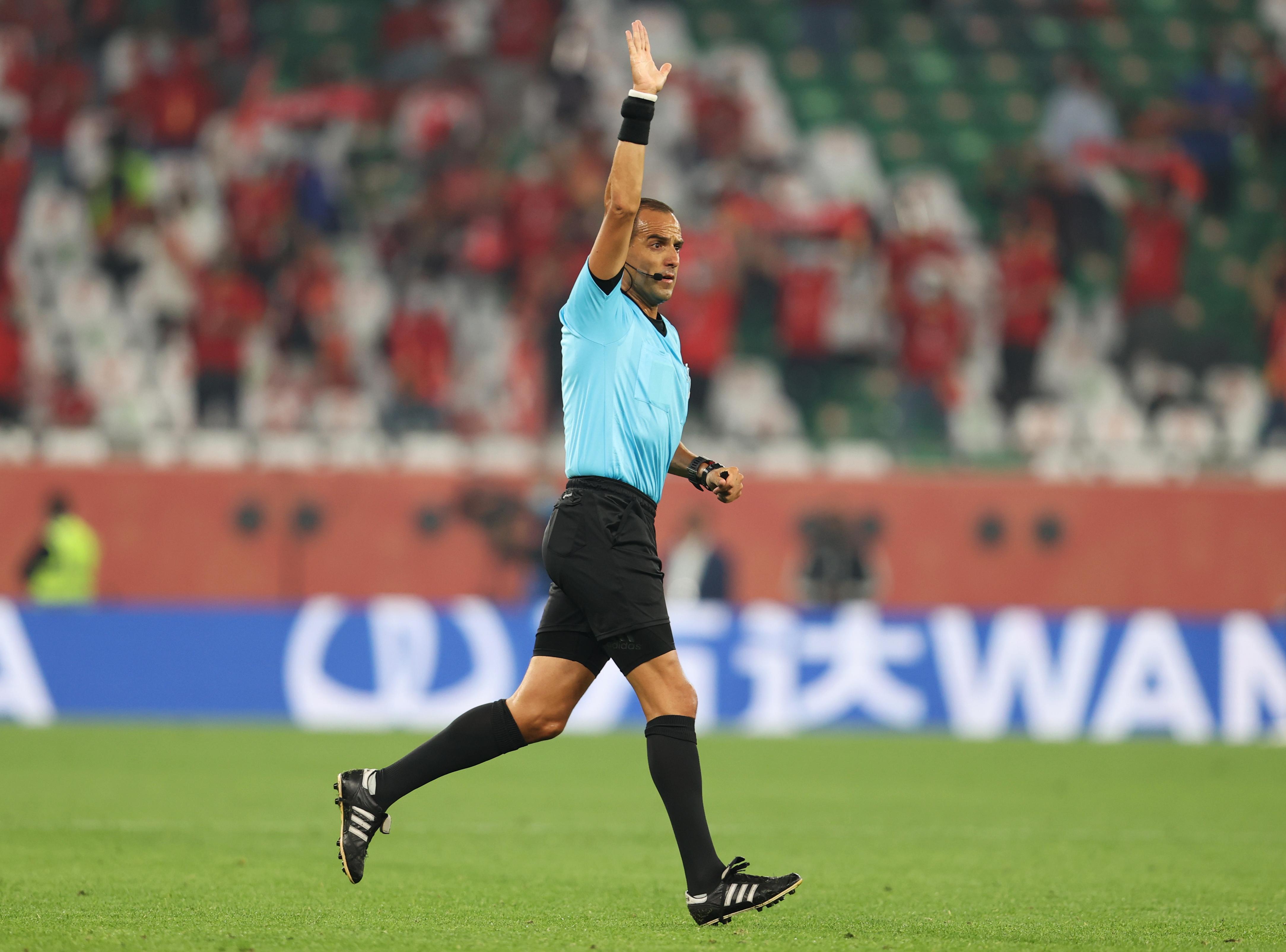 Esteban Ostojich anula el gol de Joshua Kimmich. Estadio Ciudad de la Educación en Rayán, Catar.
