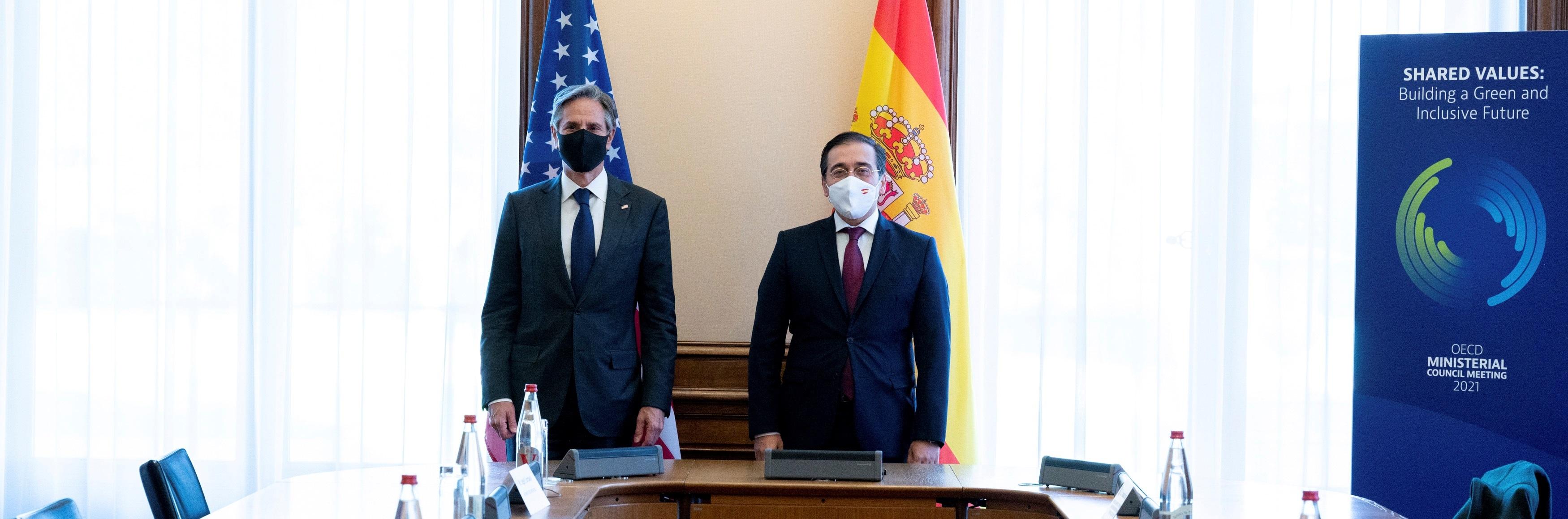 El ministro español de Asuntos Exteriores, José Manuel Albares, se reúne con el secretario de Estado de EEUU, Antony Blinken (Foto: EFE/ Embajada De España En París)