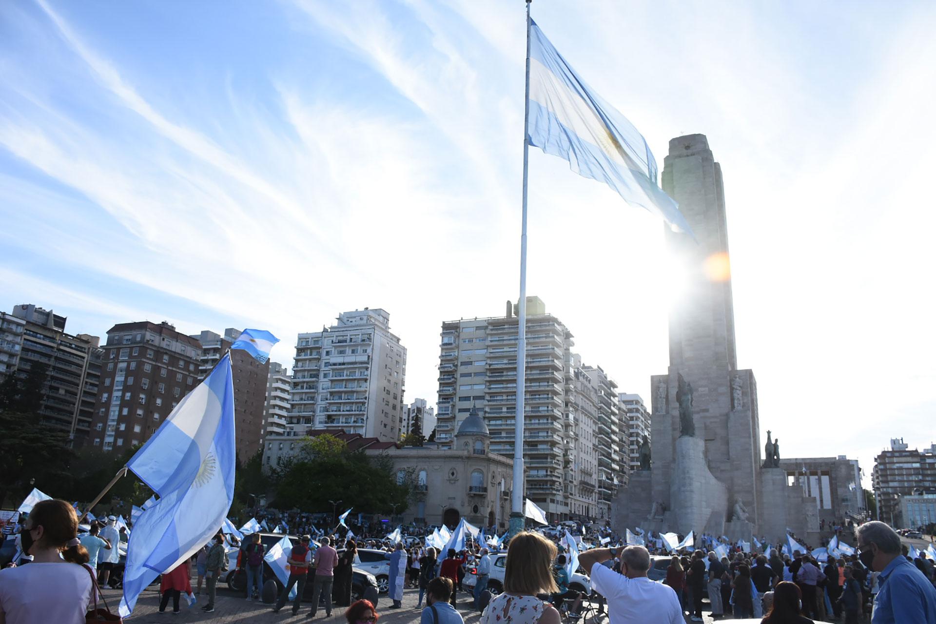 El Monumento a la Bandera fue una de los puntos de protesta donde más gente se juntó