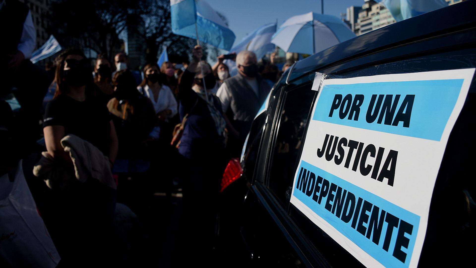 Los últimos cuestionamientos del kirchnerismo a la Justicia fueron repudiados por la gente durante el banderazo