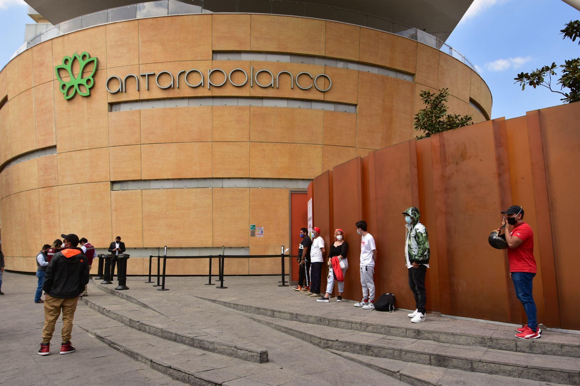 Plaza Antara. Ciudad de México. 9 de febrero de 2021.