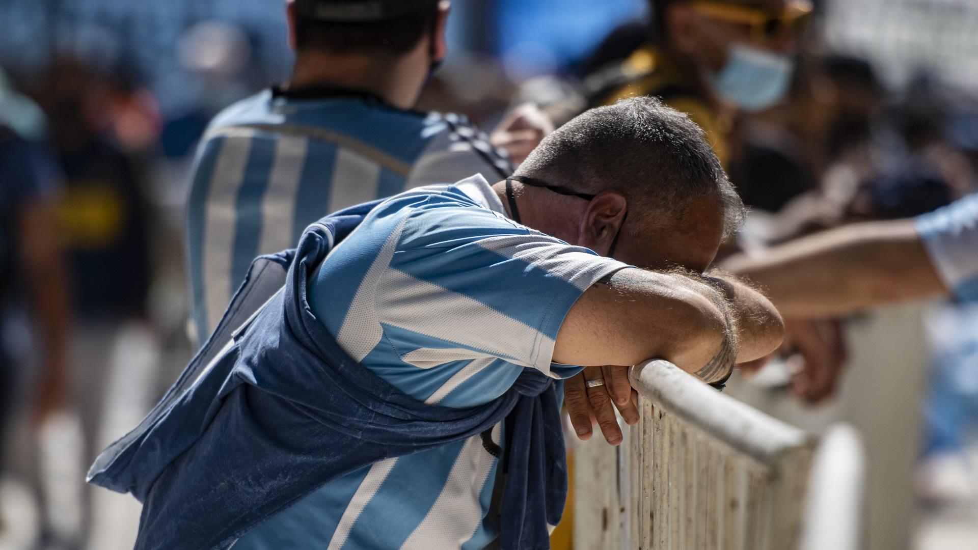 A pesar de los fanáticos con remeras de Boca, River u otros equipos, predominó la camiseta de la selección argentina durante el velatorio