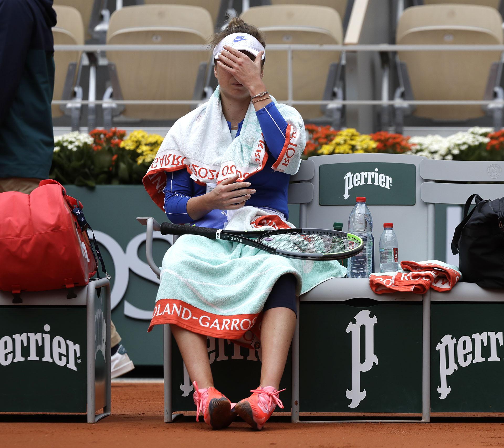 Svitolina no pudo con la tenista del momento en Roland Garros, Nadia Podoroska (AP Photo/Alessandra Tarantino)