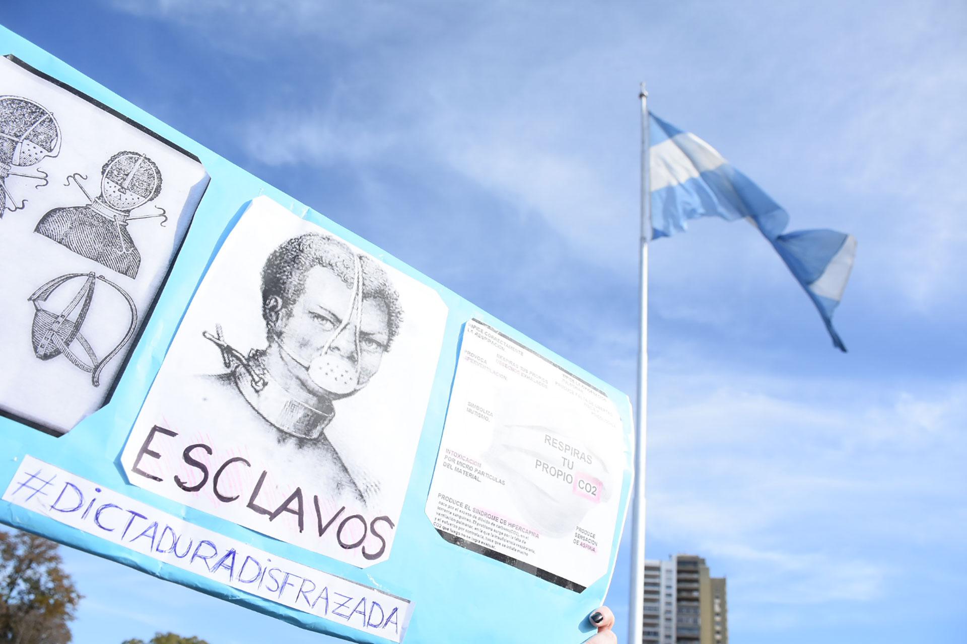 """""""Por la economía, la salud, la educación y la libertad de los argentinos. El 12 de octubre voy a marchar con mi bandera, en mi vehículo, junto a millones de ciudadanos de todo el país, en defensa de la República"""", fue la convocatoria de Patricia Bullrich"""