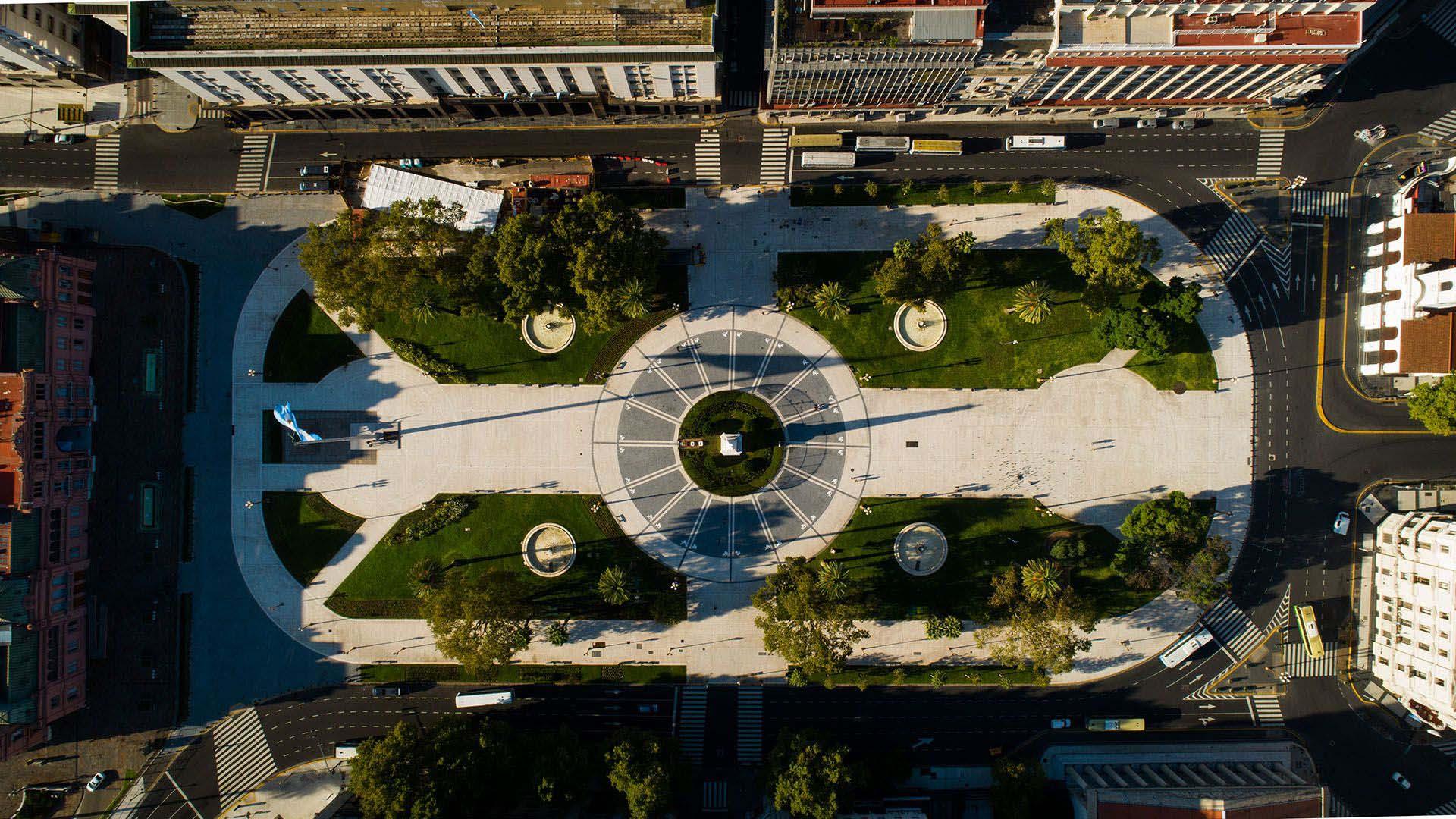 Vista de la Plaza de Mayo desde el drone de Infobae
