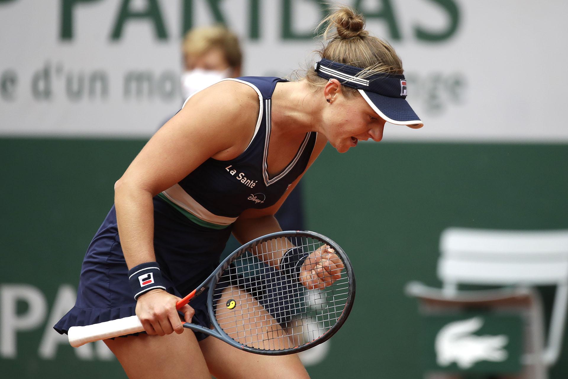 Puño apretado para Nadia y así festejar que está entre las mejores cuatro del Grand Slam en París (AP Photo/Alessandra Tarantino)