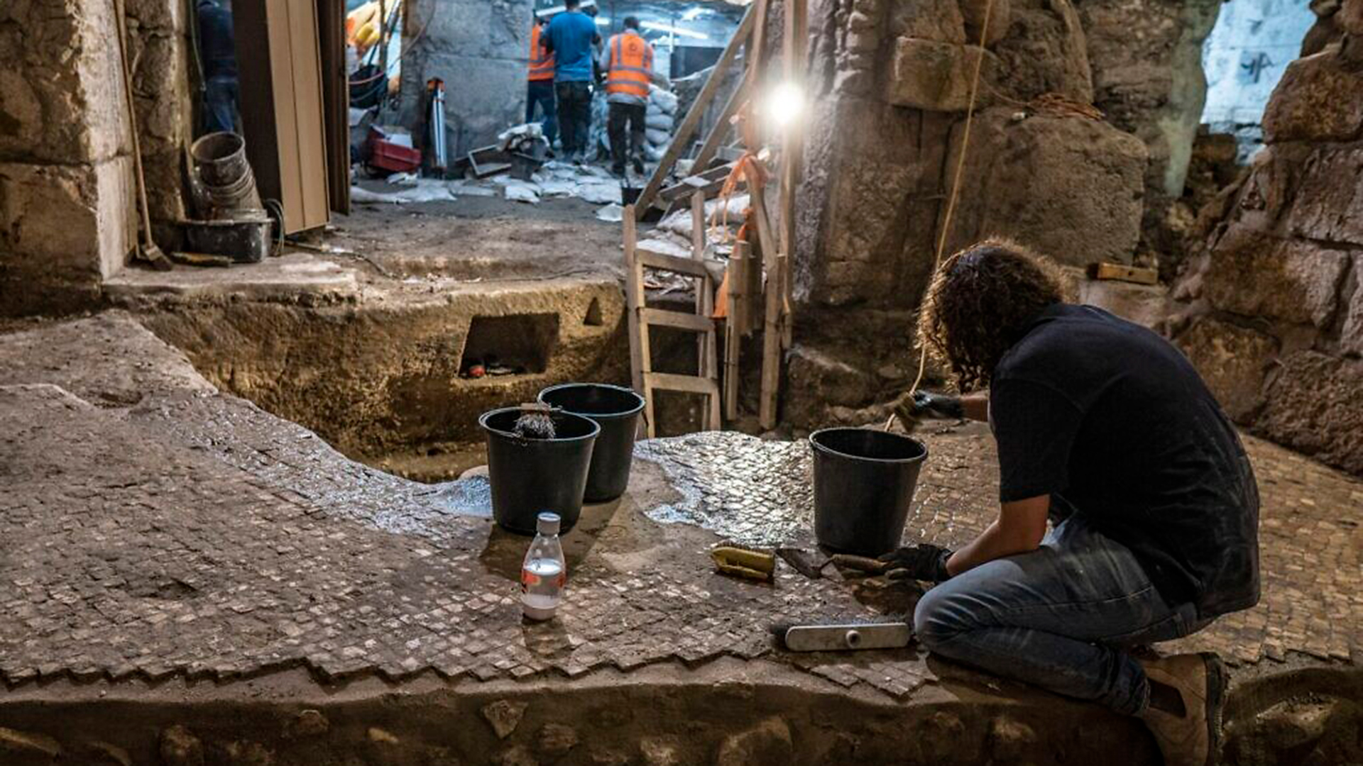 El sistema estaba sellado bajo el suelo de una gran e impresionante estructura del período bizantino