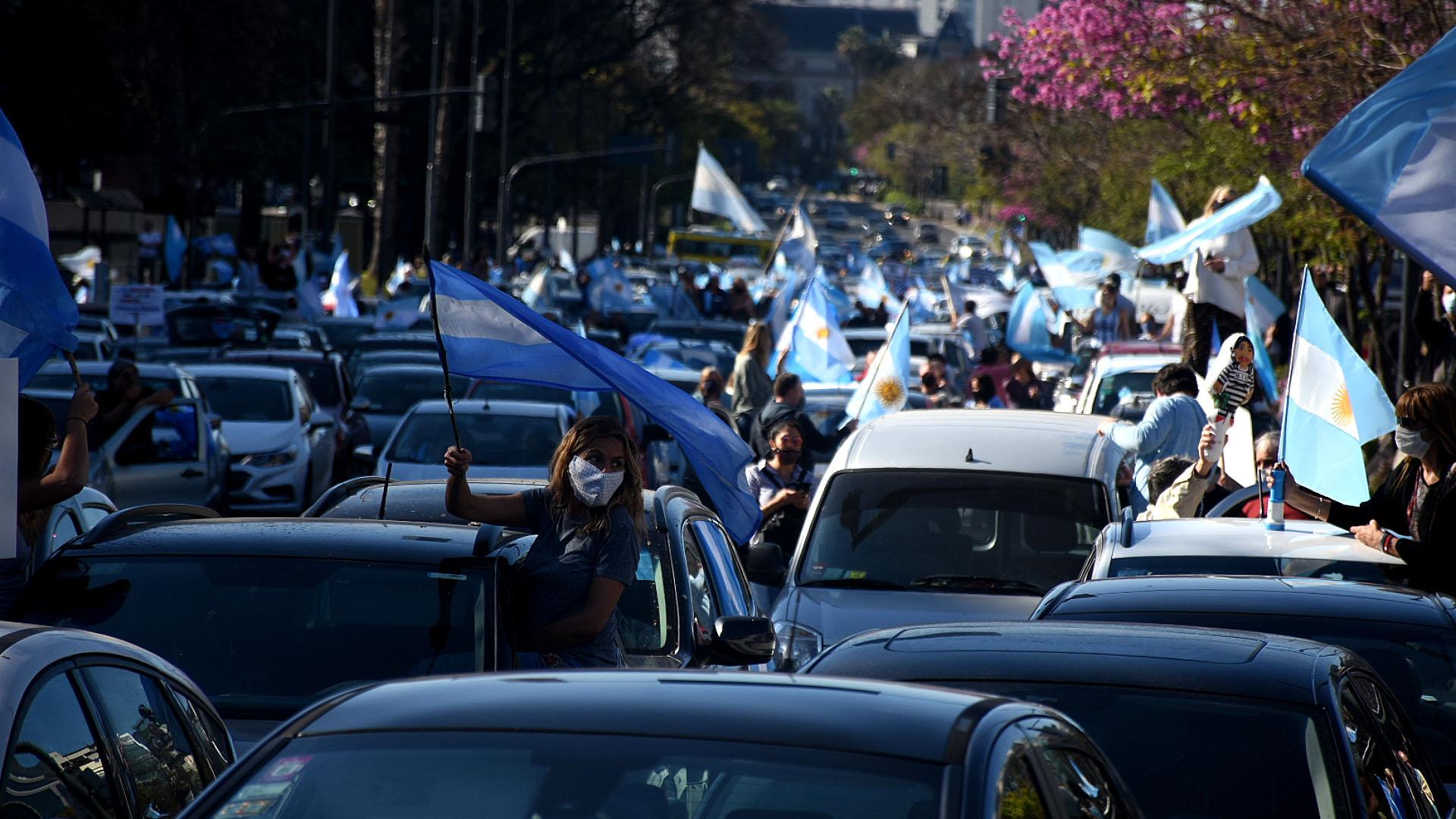 Miles de personas volvieron a movilizarse contra el gobierno nacional (Nicolás Stulberg)