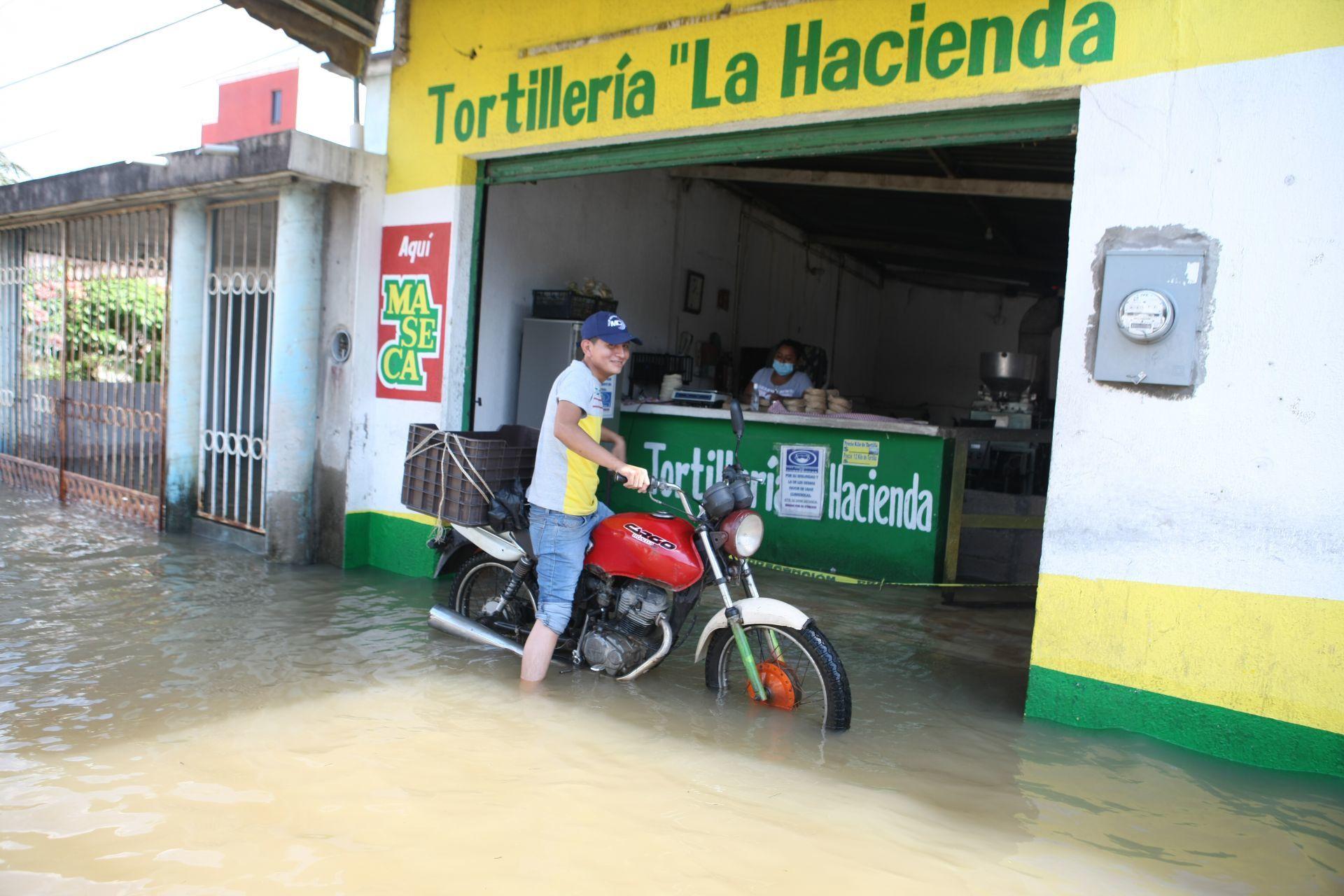Los Sauces, Colonia José María Pino Suárez. Villahermosa, Tabasco, 8 de noviembre de 2020.