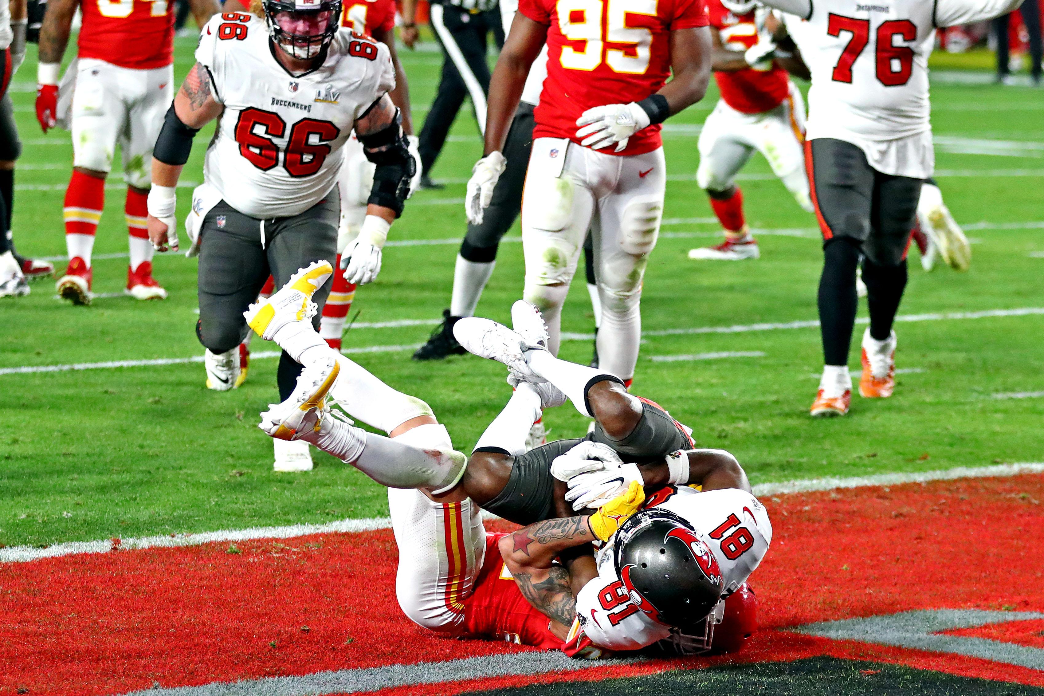 Antes del final del segundo cuarto, consiguió otro touchdown