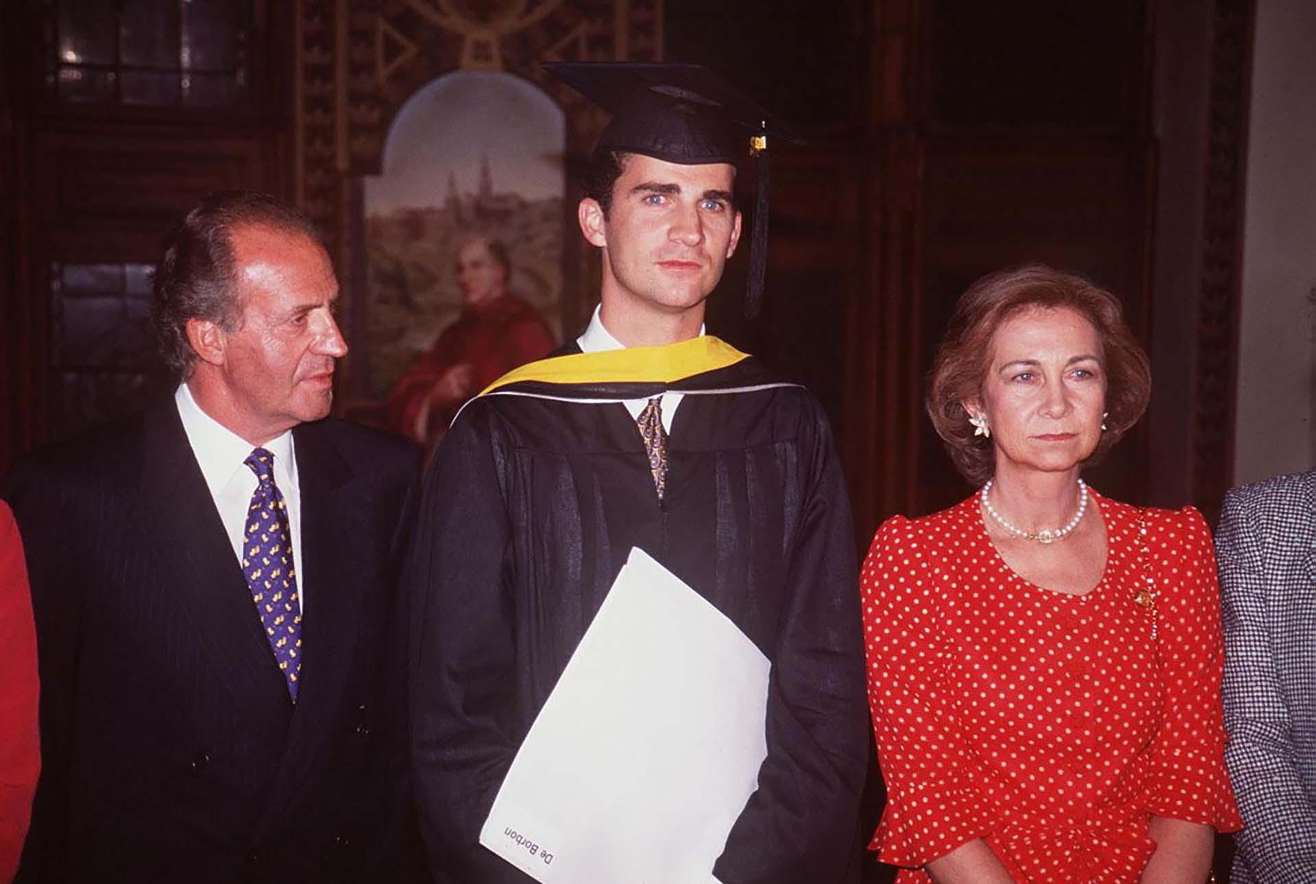Día de graduación de Felipe, hijo de Juan Carlos y Sofía, en la Universidad de Washington, en 1995 (Shutterstock)