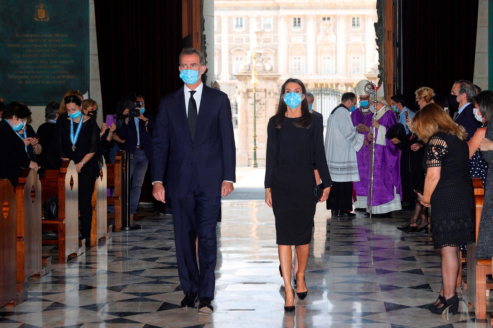 Medidas de precaución: Todos los asistentes llevaron mascarillas de protección y sólo pudieron estar presentes 400 personas, a pesar de que la Catedral tiene capacidad para unas 900
