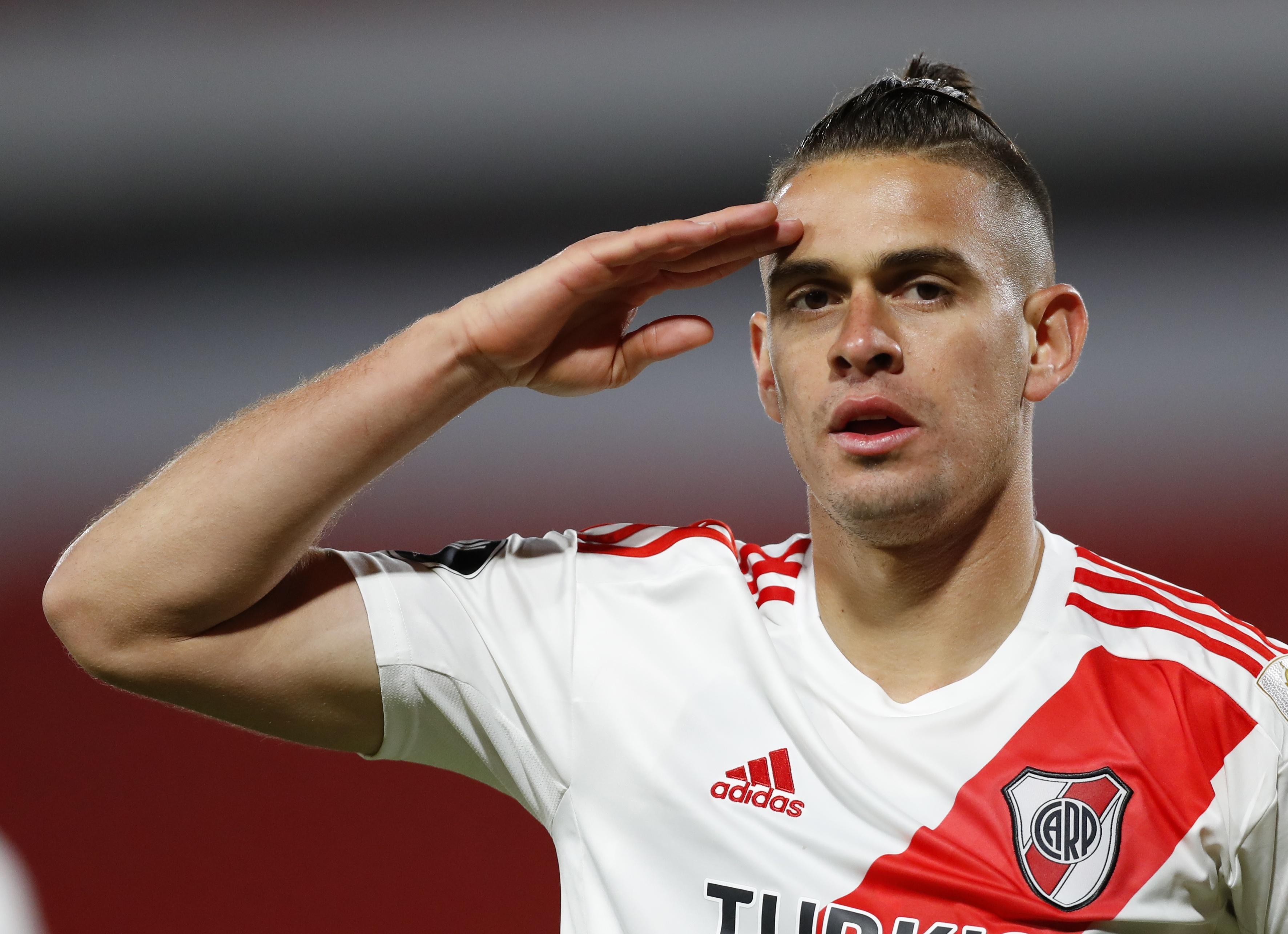 La carrera por fichar a Rafael Santos Borré sumó el interés de un poderoso  club europeo - Infobae