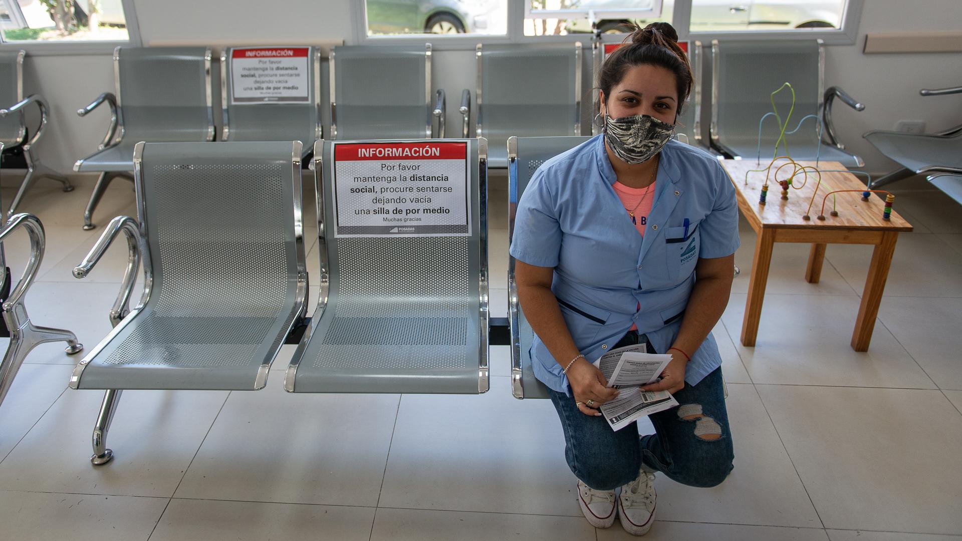 En el Posadas trabajan más de 5200 personas y calculan que para la semana que viene estarán todos inmunizados