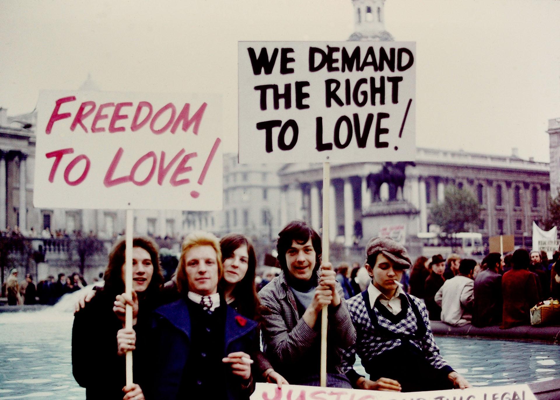 Londres, 28 de agosto de 1971. Cientos de ingleses se manifestaron durante horas en Trafalgar Square