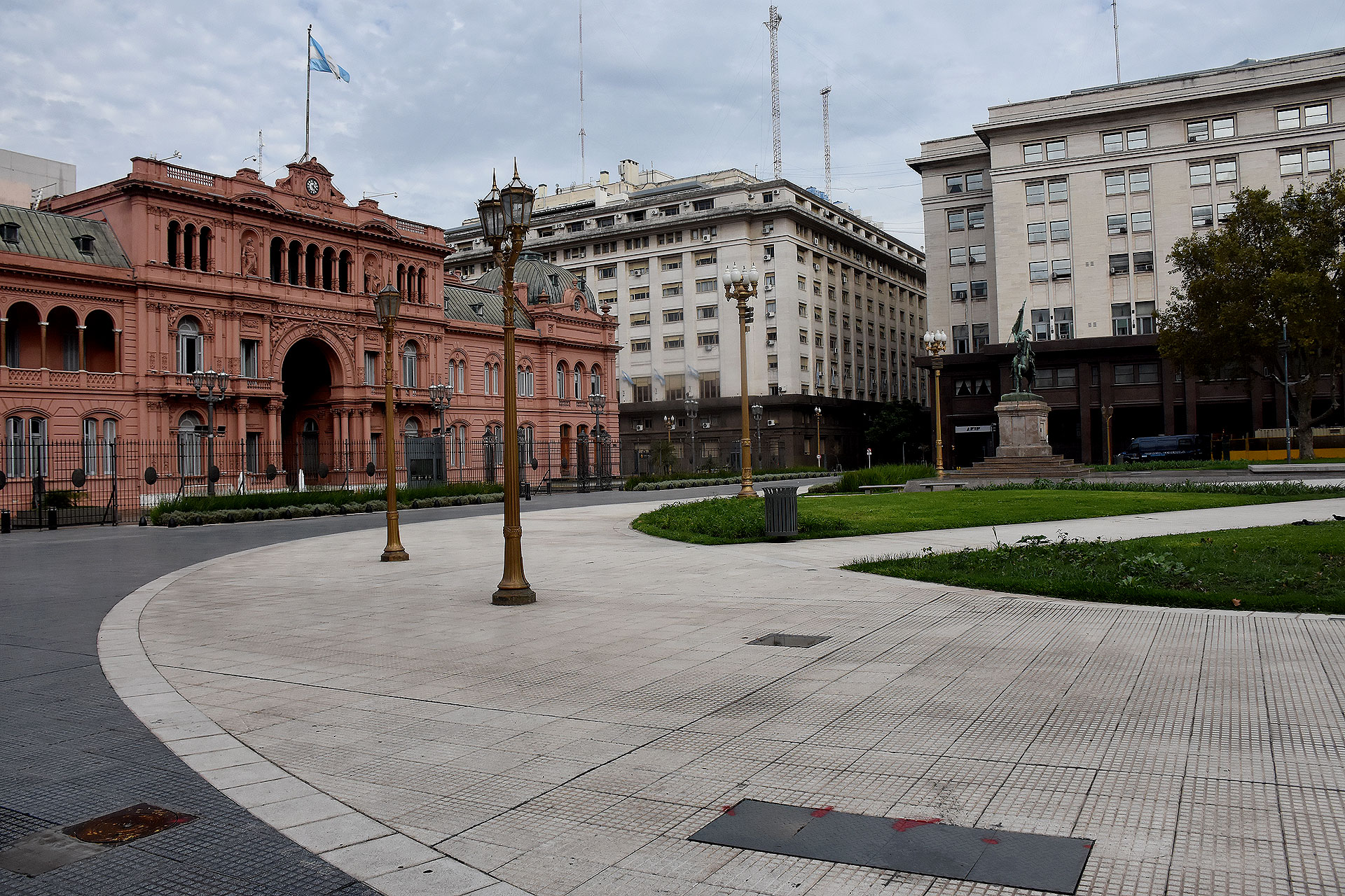 La Plaza de Mayo, en soledad
