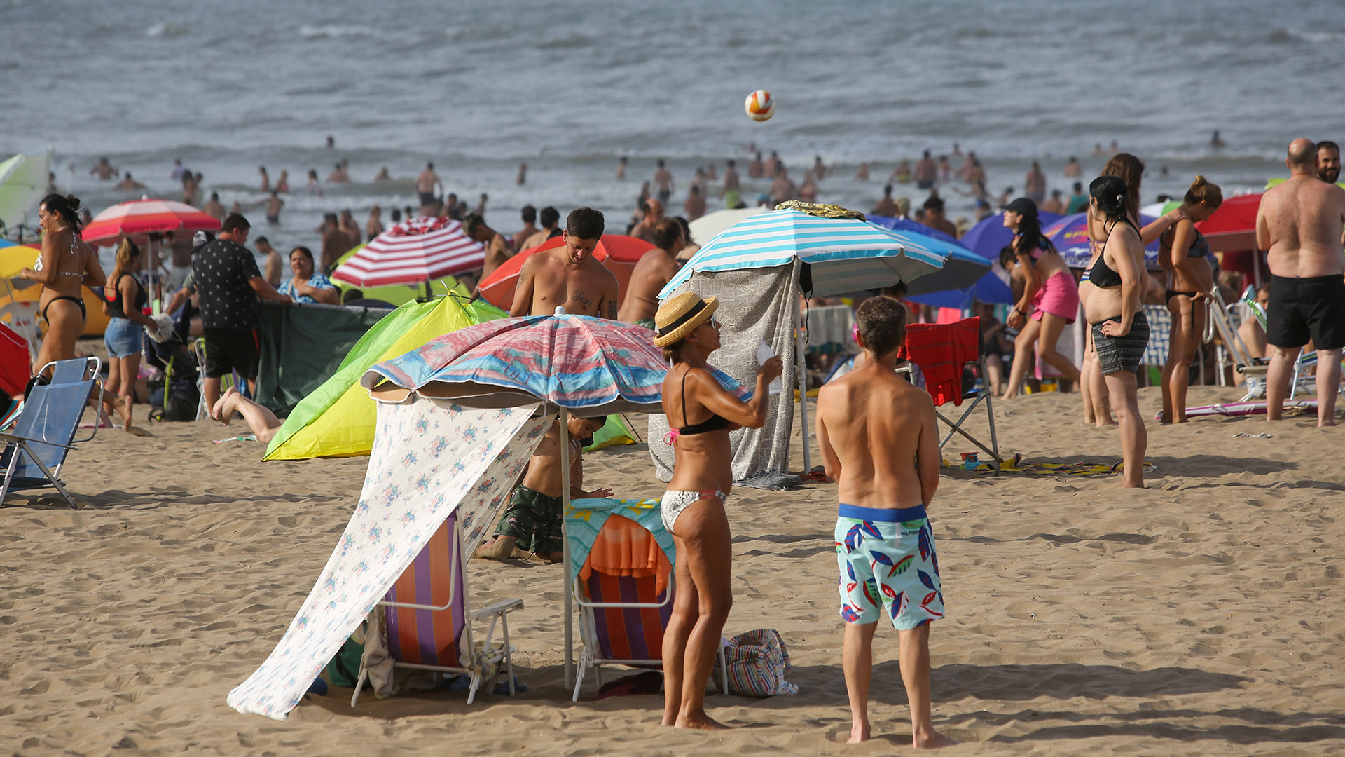 En general, el público mostró un buen comportamiento en las playas, respetando el uso de barbijo en lugares comunes y el distanciamiento