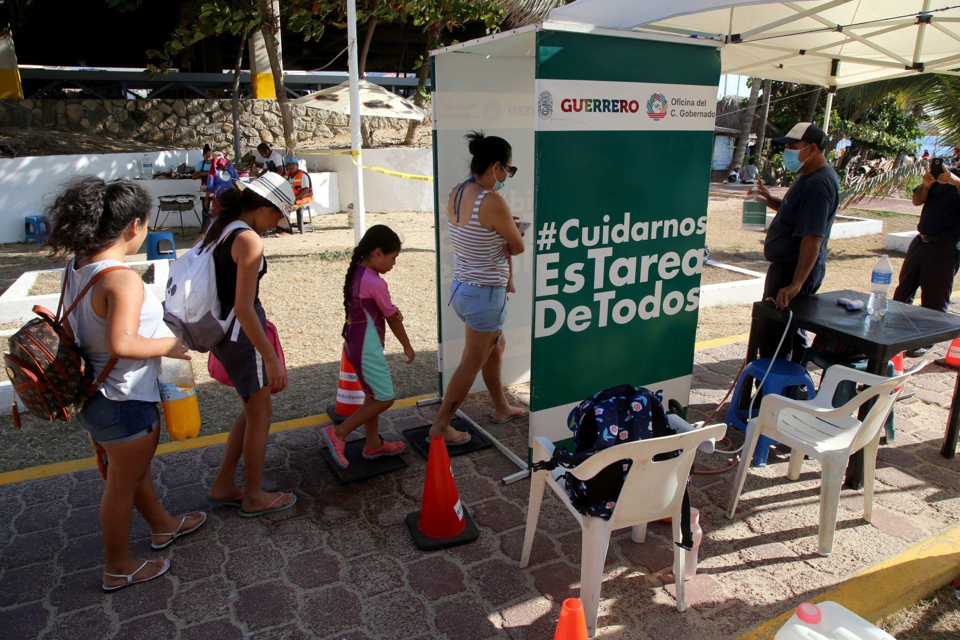 Las autoridades de turismo anunciaron que el día de hoy el puerto llego a 31.8 % de ocupación hotelera. (FOTO: CARLOS ALBERTO CARBAJAL/CUARTOSCURO)