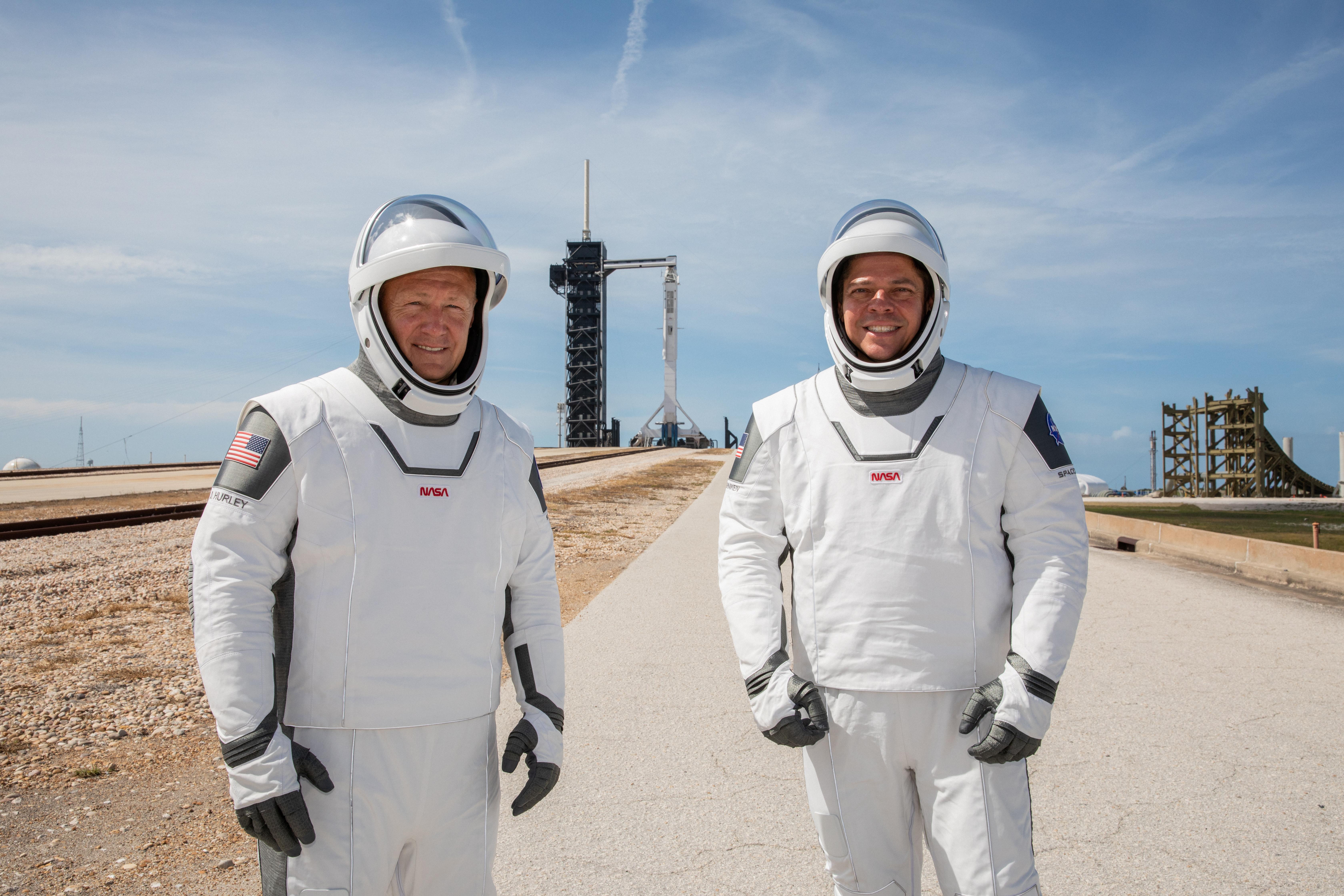 Los astronautas Douglas Hurley y Robert Behnken (NASA/Kim Shiflett via REUTERS)