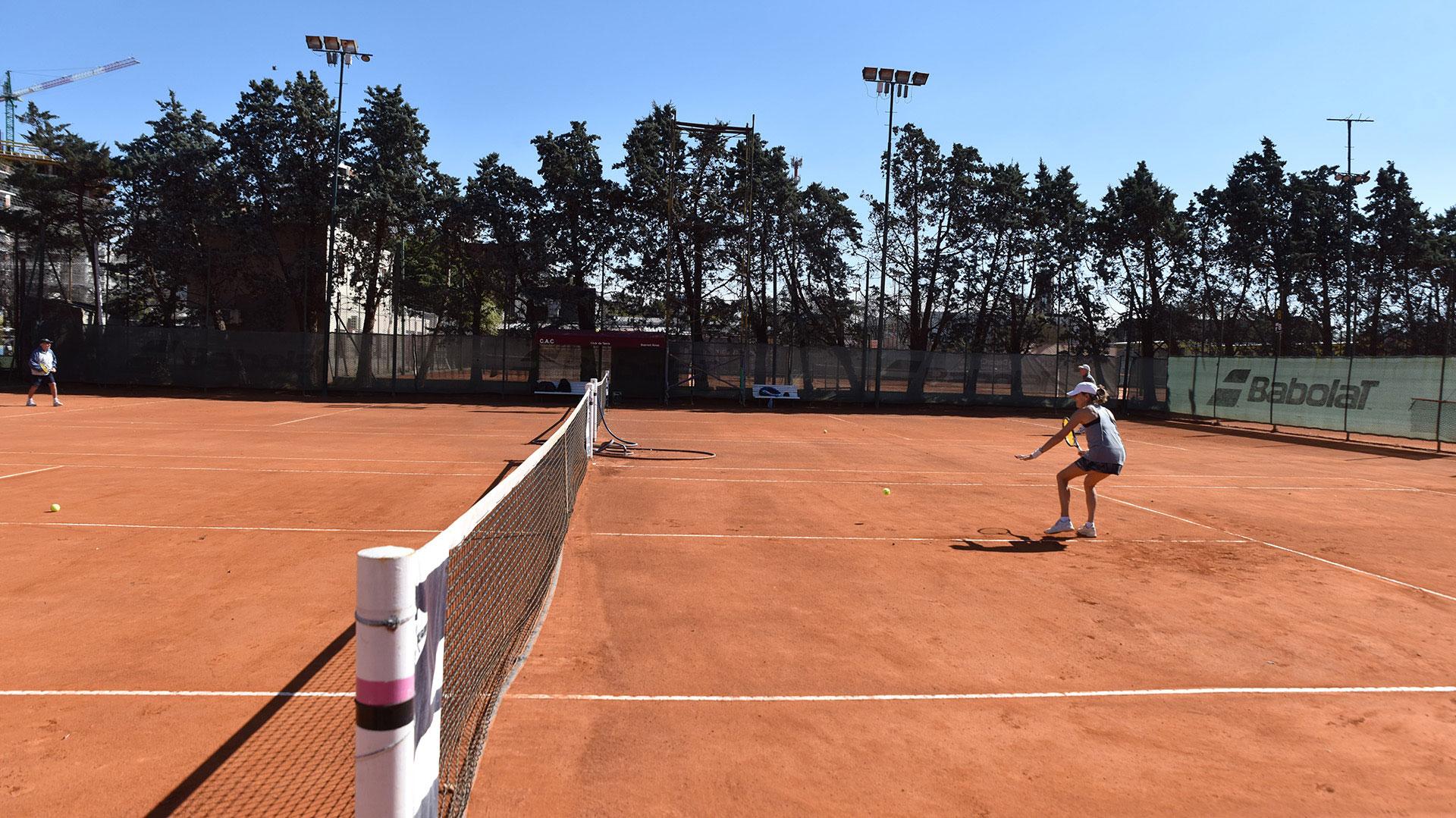 La jornada de sol acompañó al regreso del tenis