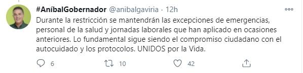 El gobernador de Antioquia, Aníbal Gaviria, hablando sobre las restricciones del departamento. Foto: Twitter Aníbal Gaviria.