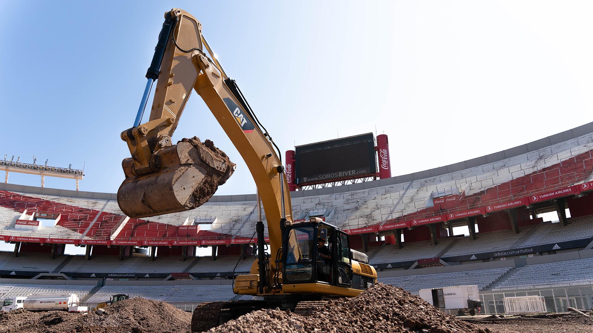 Uno de los cambios más significativos será la eliminación de la clásica pista de atletismo que rodeaba el campo de juego