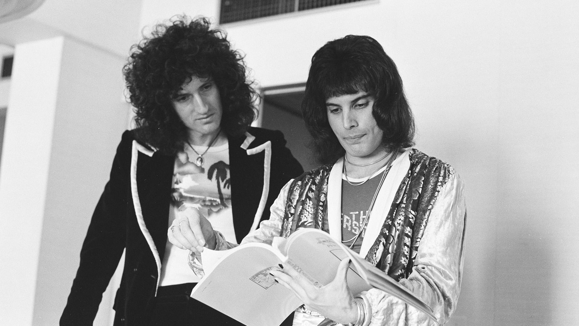 Los 74 de Brian May: la gloria con Queen, la muerte de Freddie Mercury y su  lucha con la depresión - Infobae