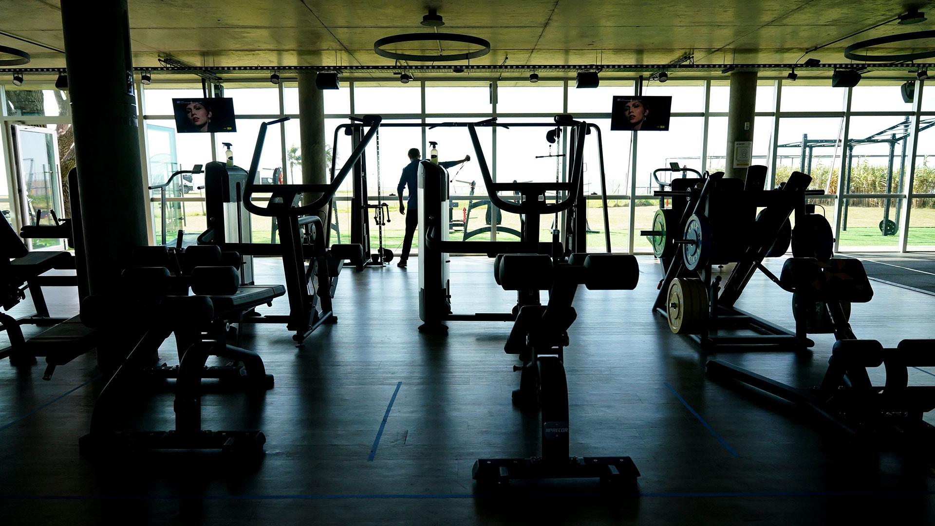 En este gimnasio el regreso de la actividad se está llevando a cabo bajo la modalidad de