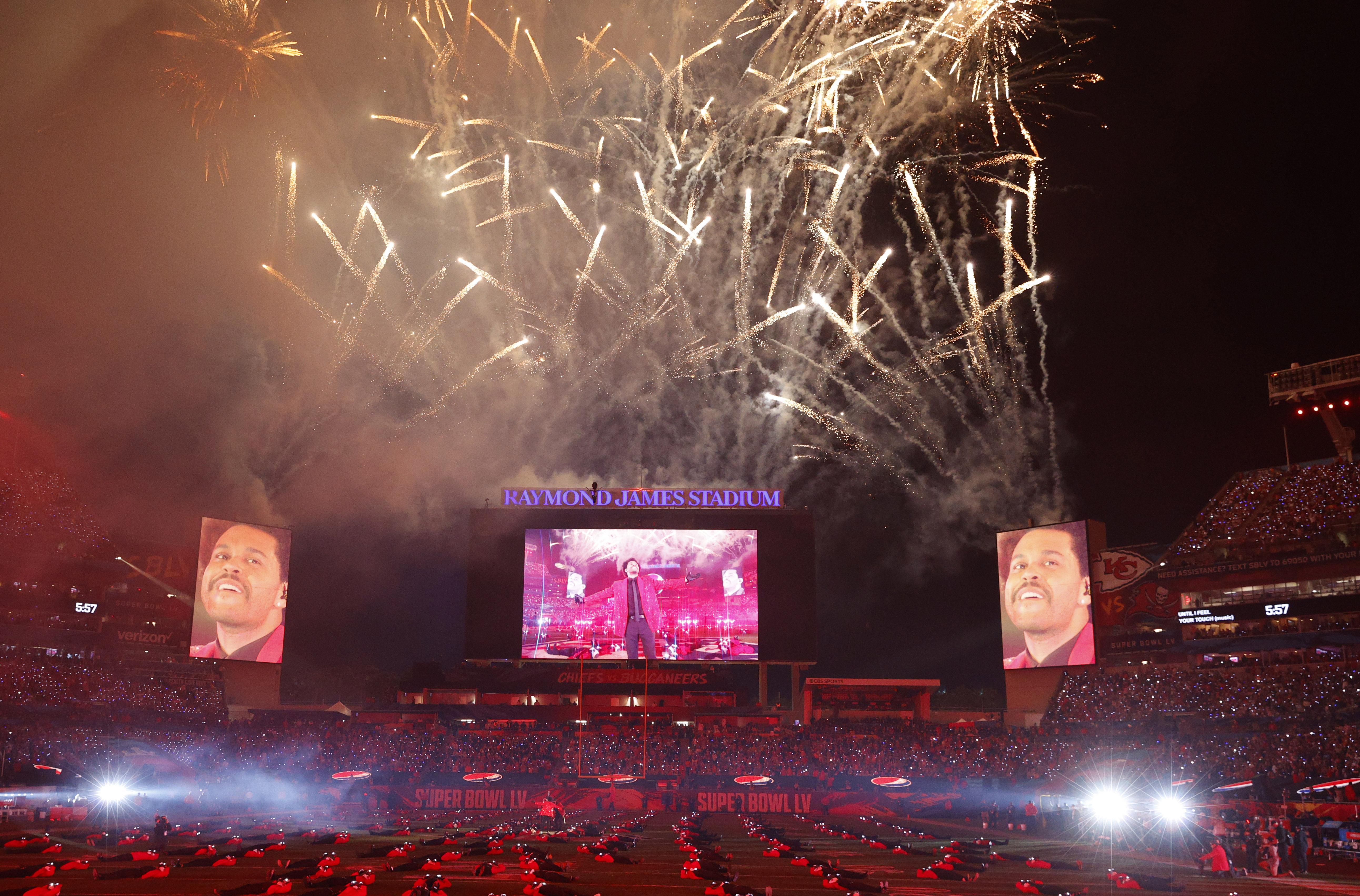 Así lució el Raymond James Stadium durante el show de medio tiempo