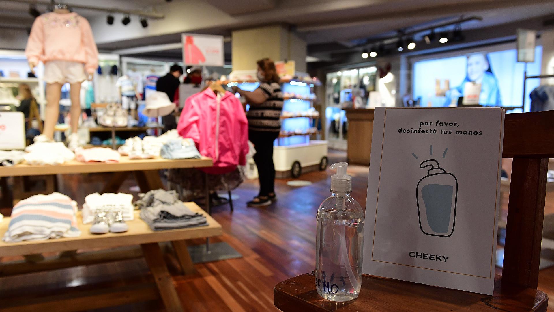 A dos semanas de abrir sus puertas, los shoppings porteños venden un 50% de  lo que vendían en la prepandemia - Infobae