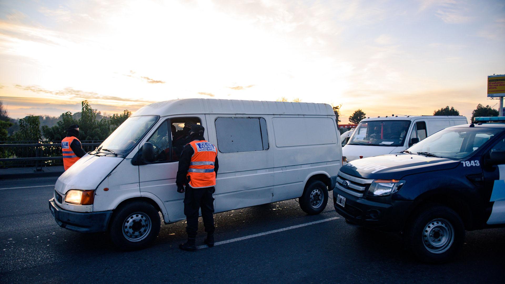La Policía exige el permiso de circulación a los automovilistas. El miércoles comienza a regir un nuevo permiso cuyo trámite ya se encuentra disponible