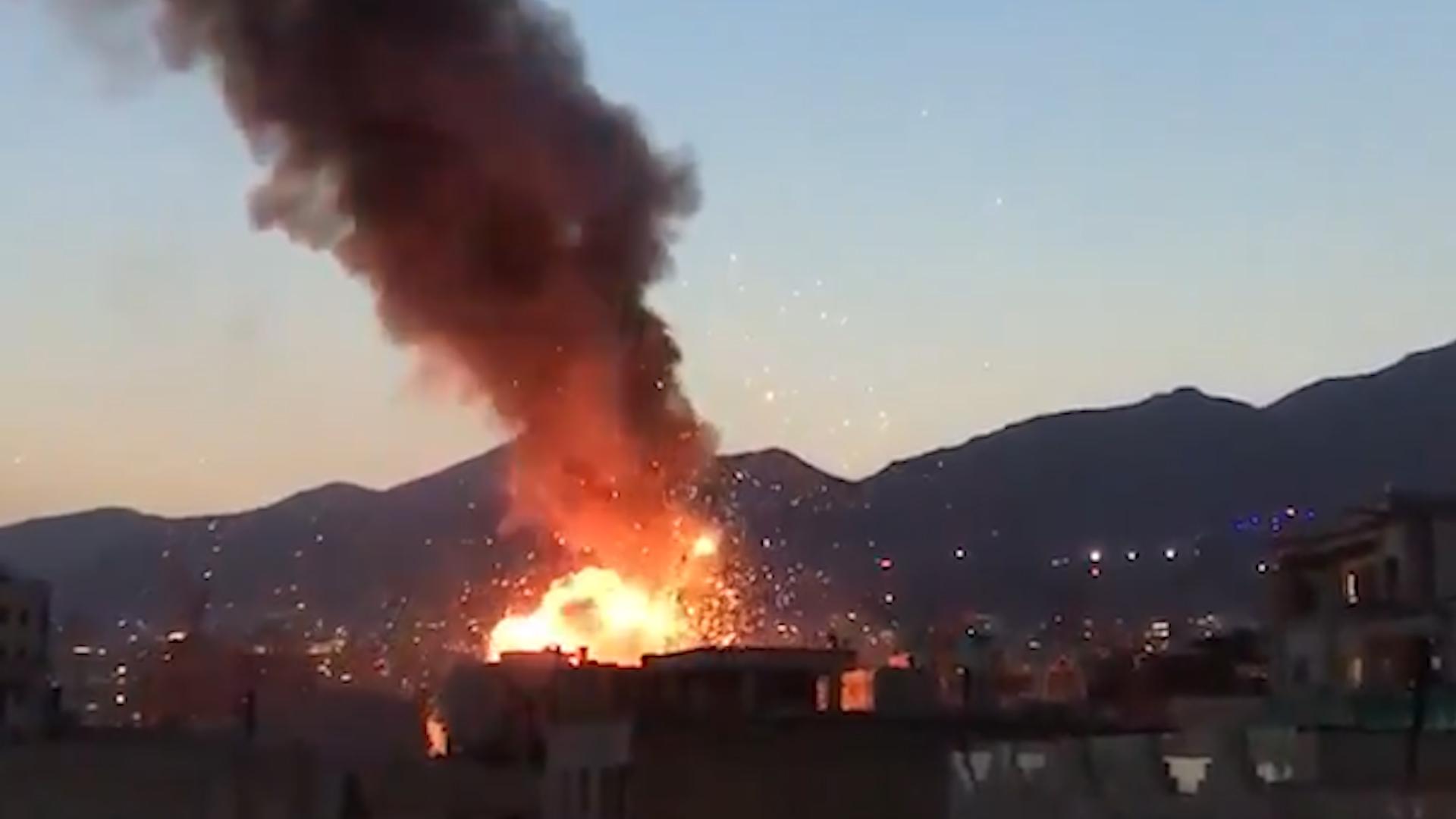 Tres misteriosas explosiones en sitios estratégicos de Irán en una ...