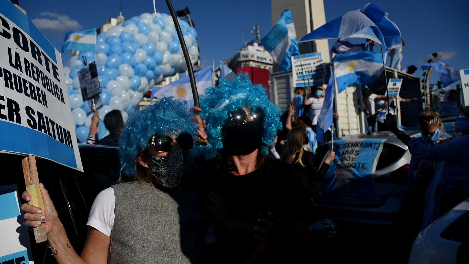 Muchas personas hicieron hincapié en el avance del kirchnerismo contra los jueces que tuvieron o tienen causas en las que están involucrada la vicepresidente Cristina Kirchner