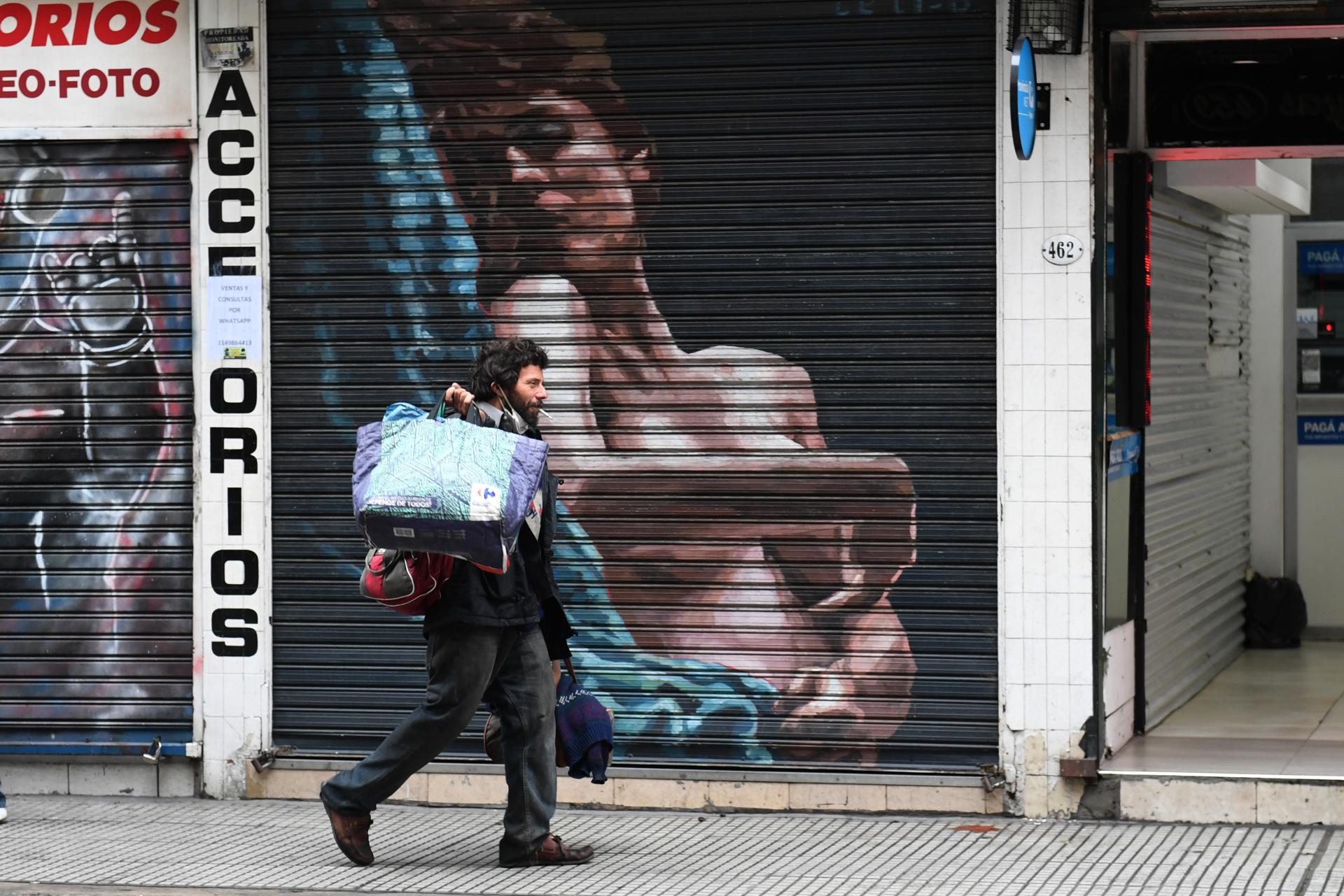 Más de 7.000 personas viven en situación de calle en la Capital Federal, a merced de la suerte que les toque cada día.
