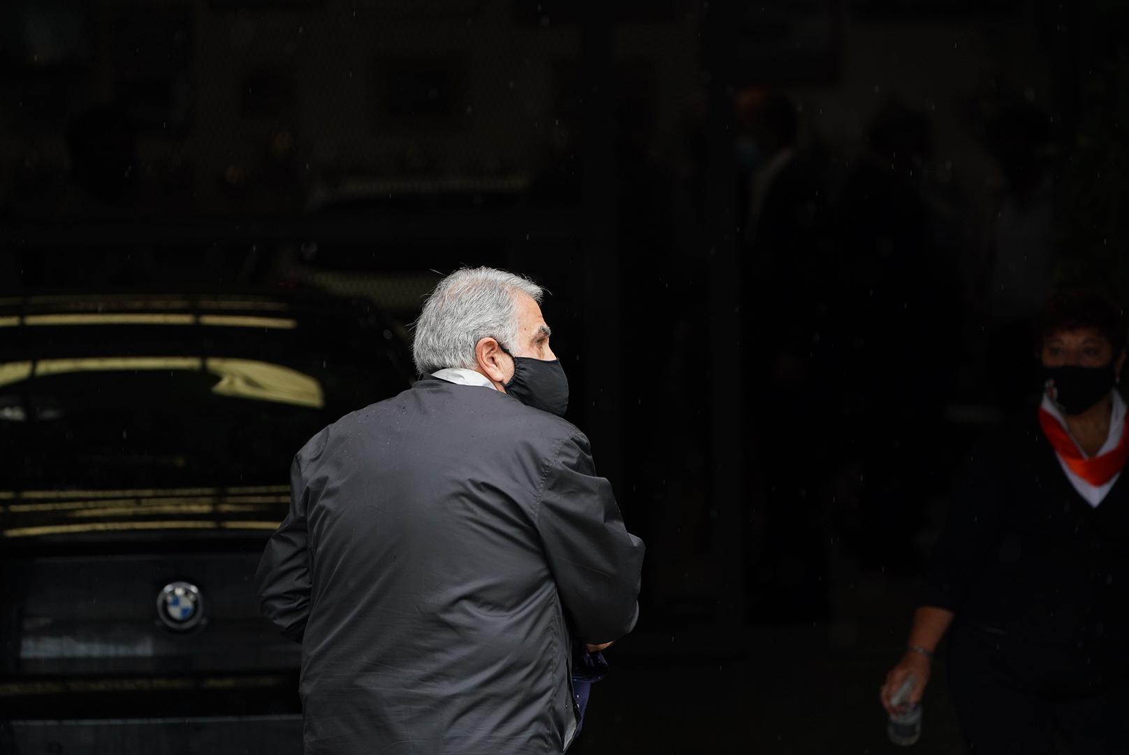 Sus familiares y amigos despidieron al Gallego en su rincón, donde tenía su oficina, sus autos, trofeos y recuerdos. Es en Vicente López.