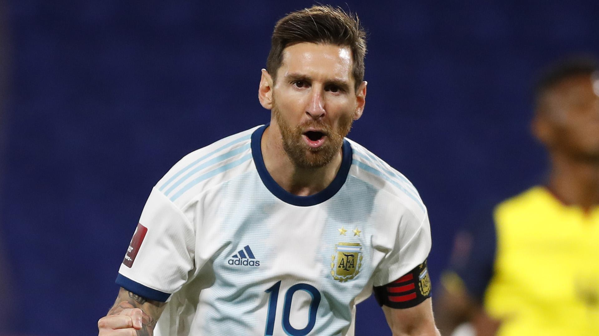 Ante la falta de público, Messi le grita su gol a la cámara (AFP)
