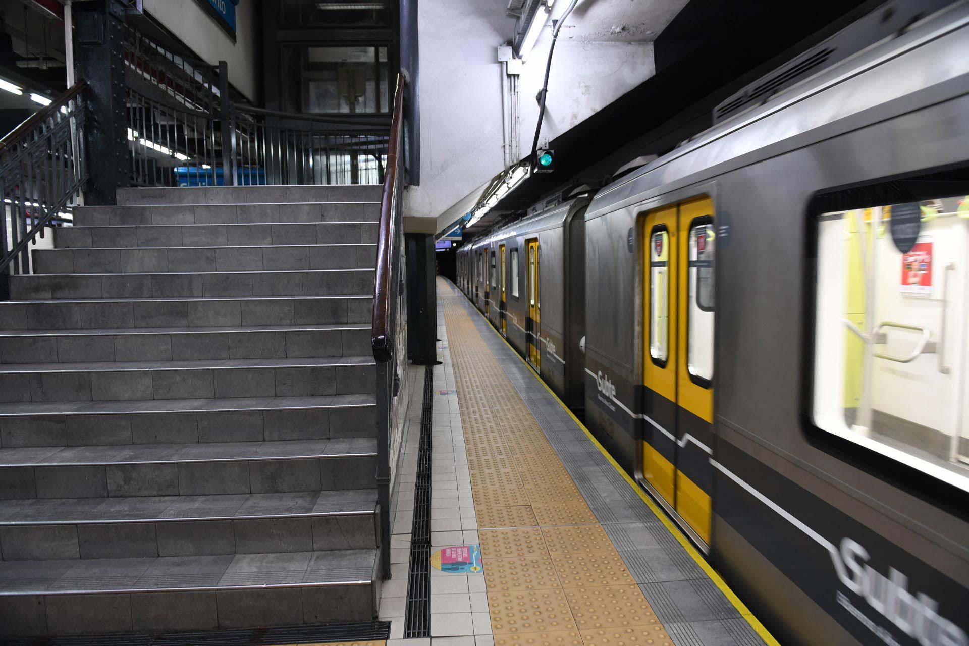 Durante muchos meses, los subterráneos de la Ciudad fueron solo utilizados por personal esencial