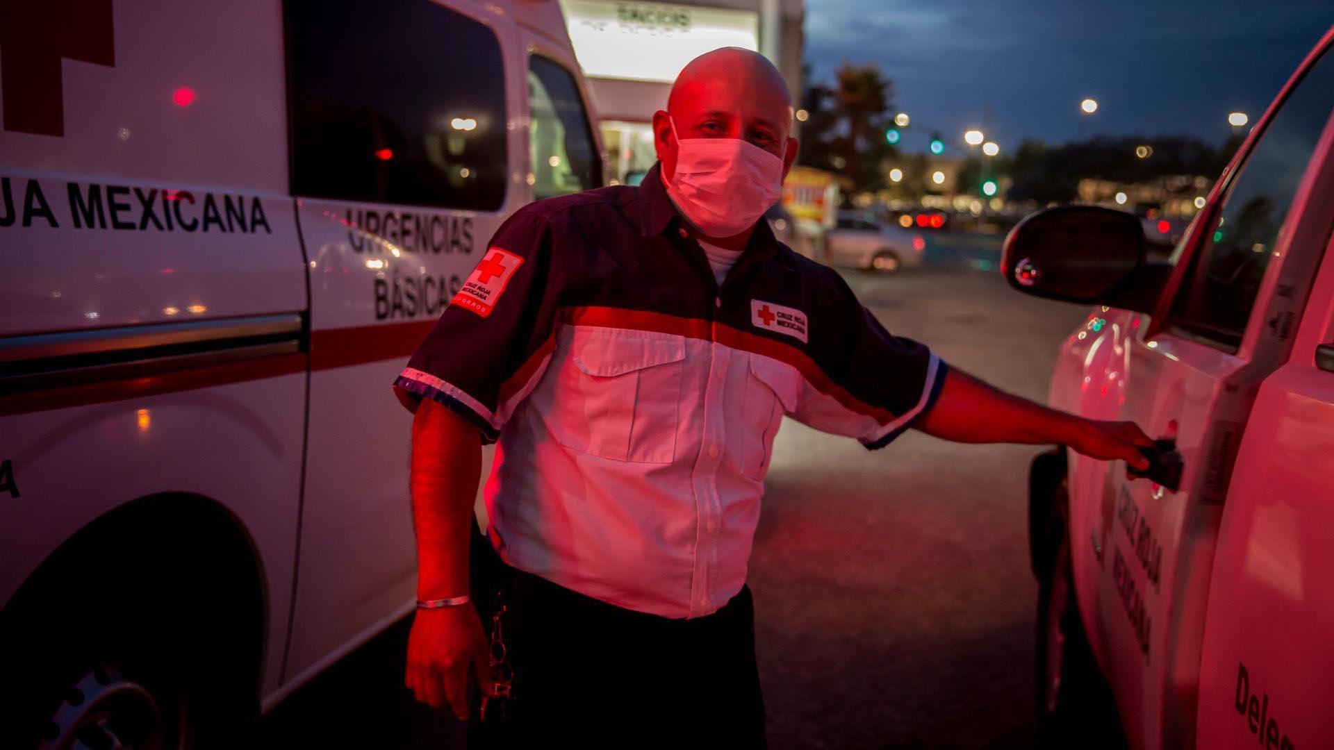 Al ser los primeros respondientes en llamadas de emergencia por cuestiones de salud, el personal médico de la Cruz Roja se encuentra en la primera línea de batalla durante la actual pandemia del COVID-19 (Foto: Cuartoscuro/Omar Martínez)