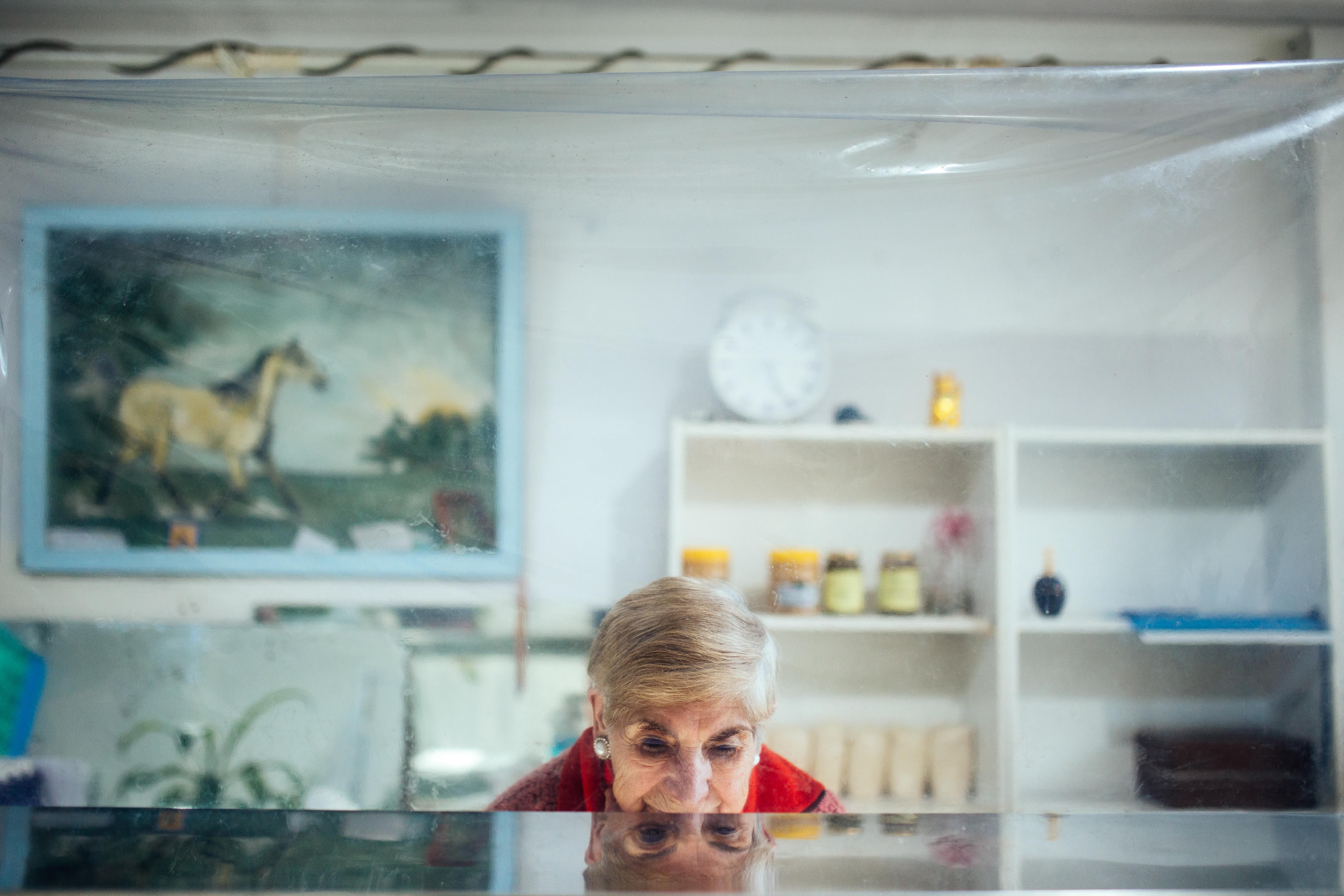 Carola, entre el plástico y la pared, Dafna Szleifer