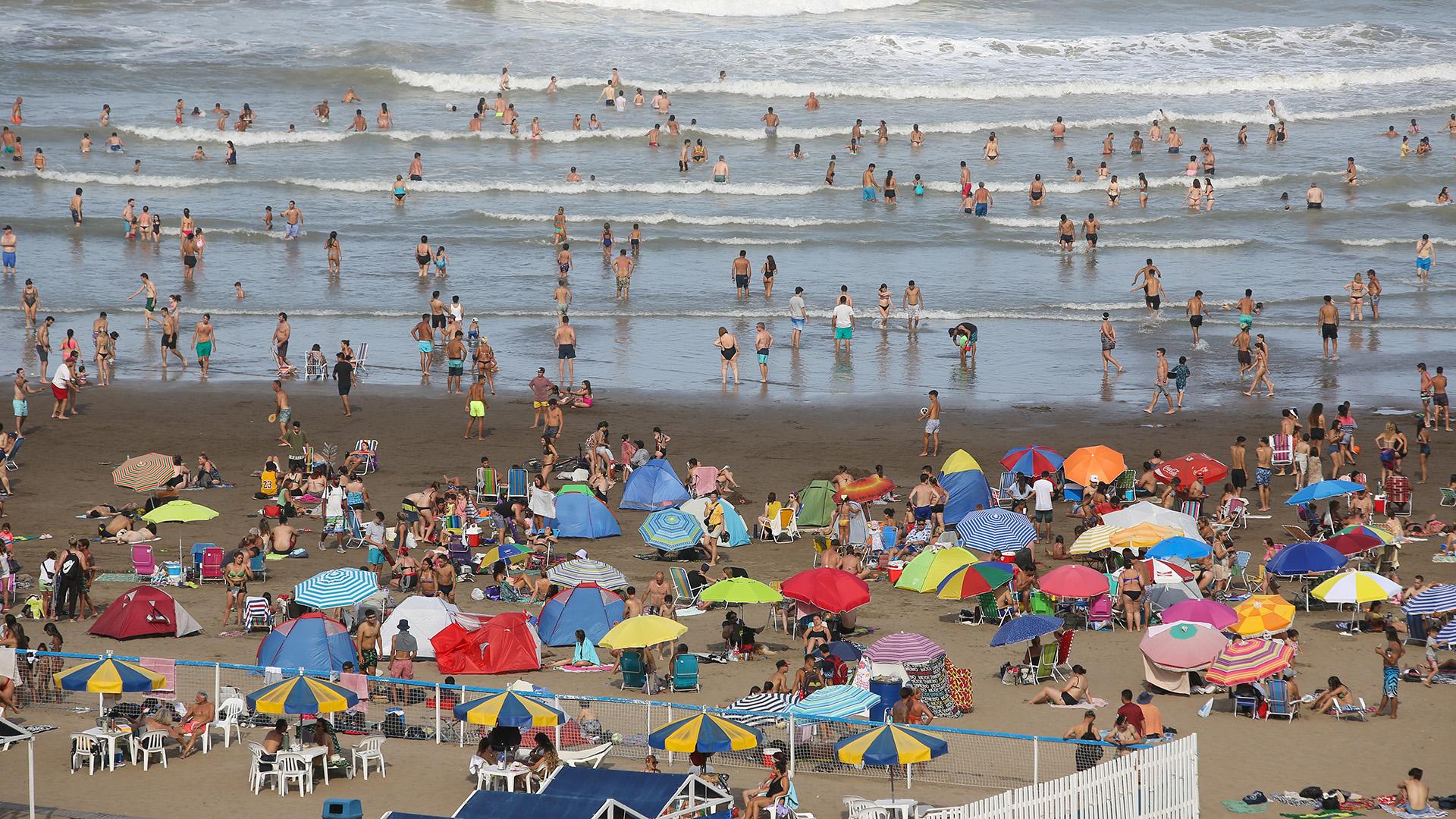 Según datos entregados por AUBASA (Autopistas de Buenos Aires S.A.) alrededor de 500 vehículos por hora circularon el sábado pasado en dirección a Mar del Plata.