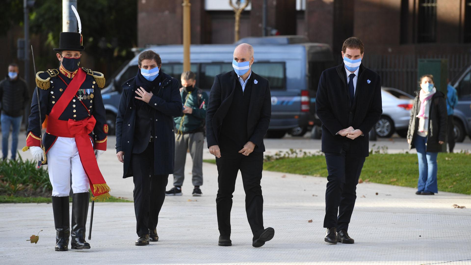 El jefe de Gobierno porteño, Horacio Rodríguez Larreta, el vicejefe y ministro de Seguridad, Diego Santilli, y el secretario general y de Relaciones Internacionales, Fernando Straface