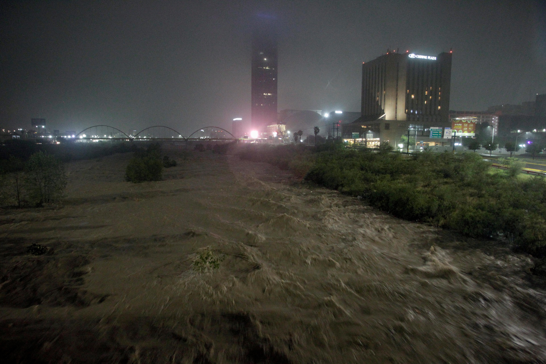 El río Santa Caterina en Monterrey, Mexico (REUTERS/Daniel Becerril)