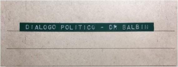Tapa de la carpeta con la transcripción del diálogo grabado de 76 páginas