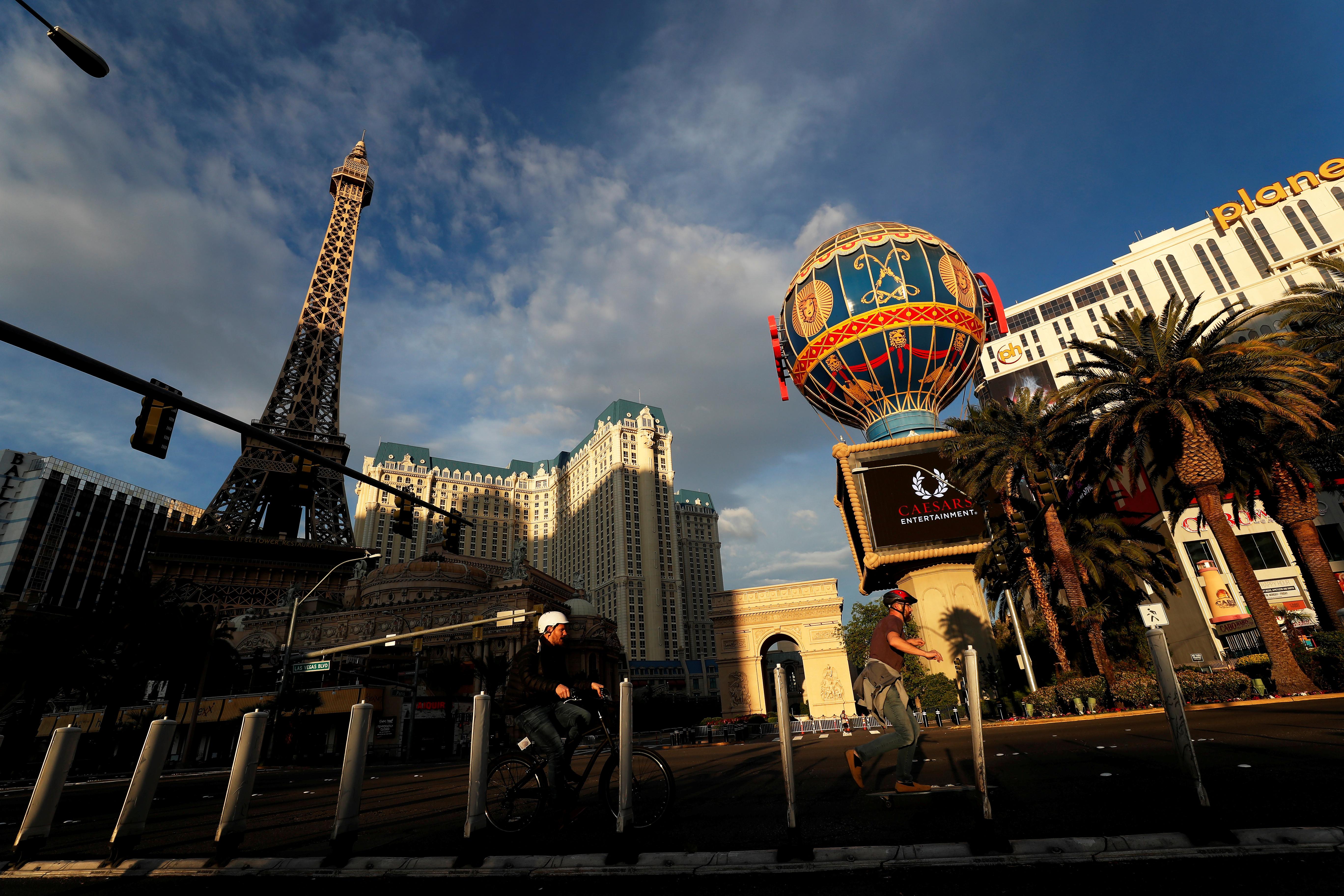 La ciudad de Las Vegas, habituada a las grandes multitudes, en una nueva normalidad (REUTERS/Shannon Stapleton/File Photo)