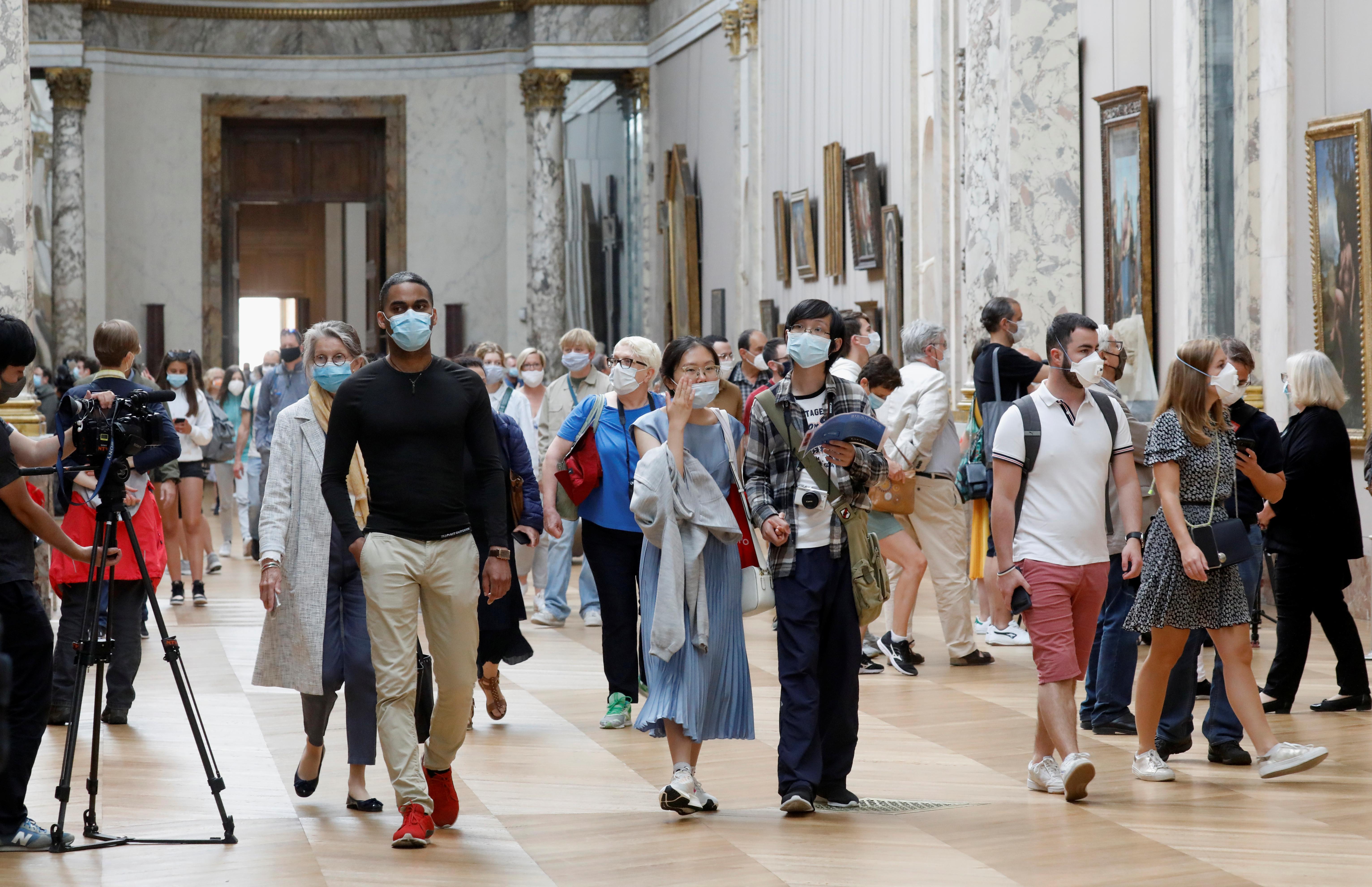Antes de la pandemia, hasta 50.000 personas entraban en el Louvre en los días más atareados. (REUTERS/Charles Platiau)