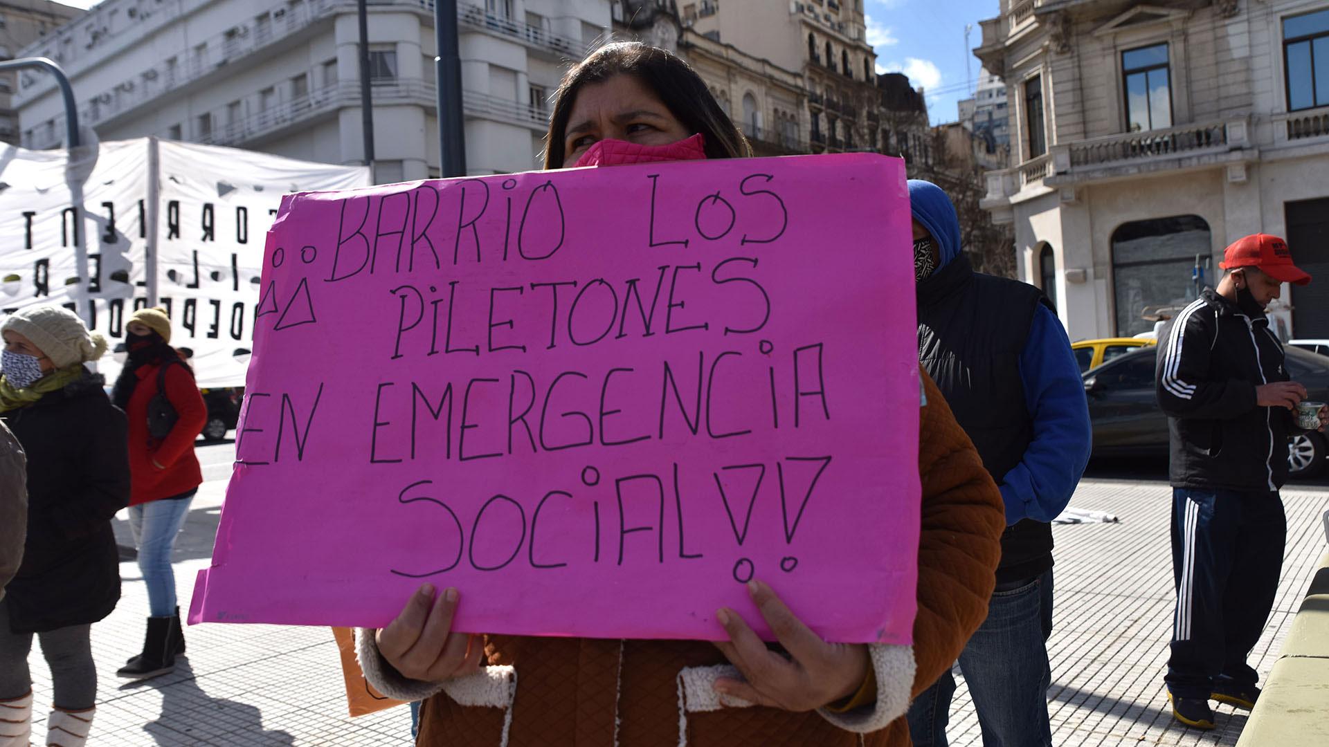 La marcha comenzó en Avenida de Mayo y 9 de Julio y culminó en la Legislatura bonaerense