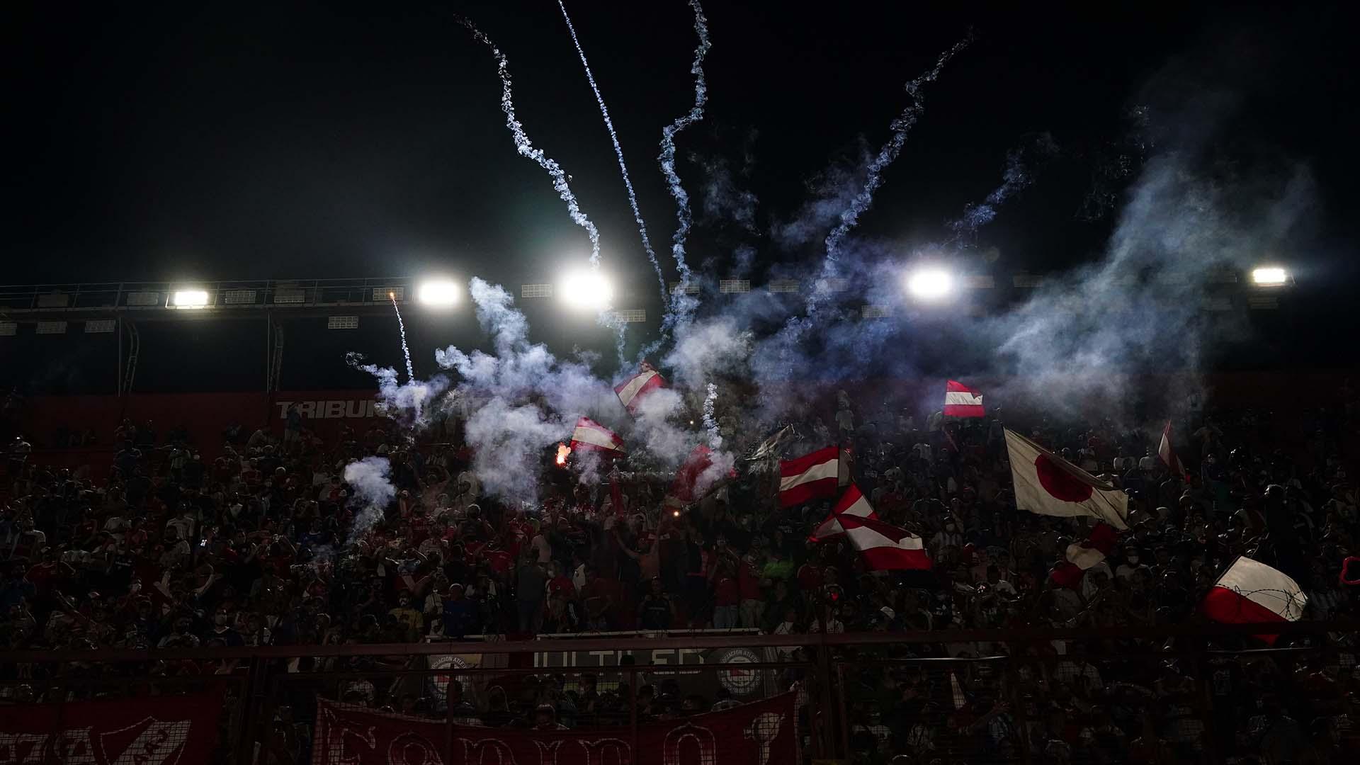 Homenaje en La Paternal, en el estadio que lo vio nacer